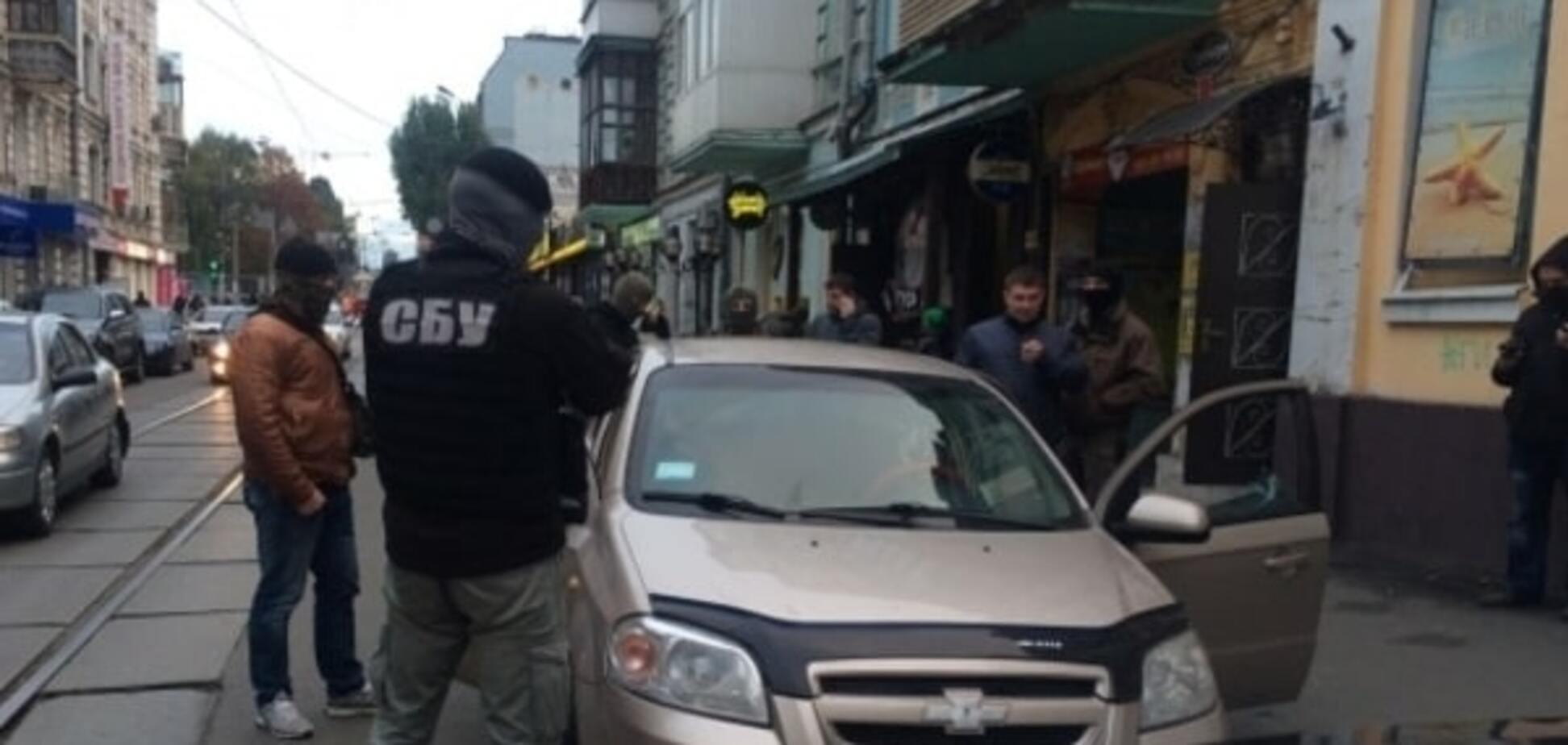 СБУ зі стріляниною накрила в центрі Києва багатомільйонний 'конверт'