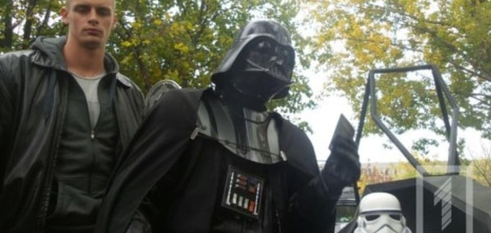В Одессе полиция схлестнулась с 'темной силой' Дарта Вейдера: опубликованы фото