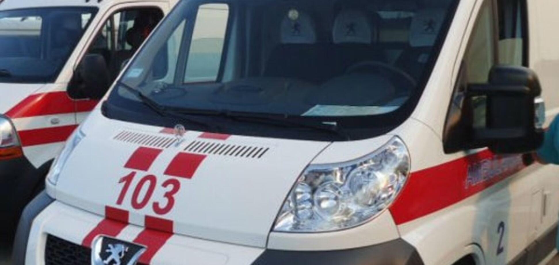Жертва виборів: у Львові голова дільничної комісії з нервовим зривом потрапила до лікарні