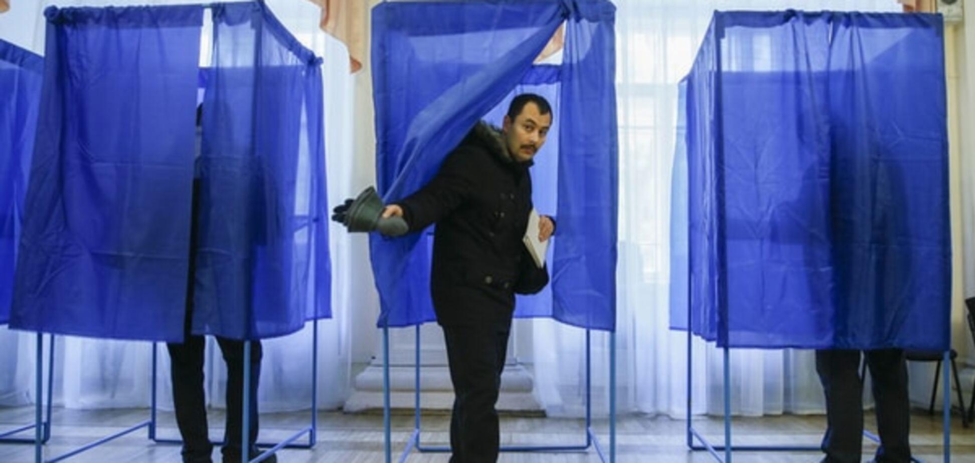 У Києві жартівник 'замінував' виборчу дільницю