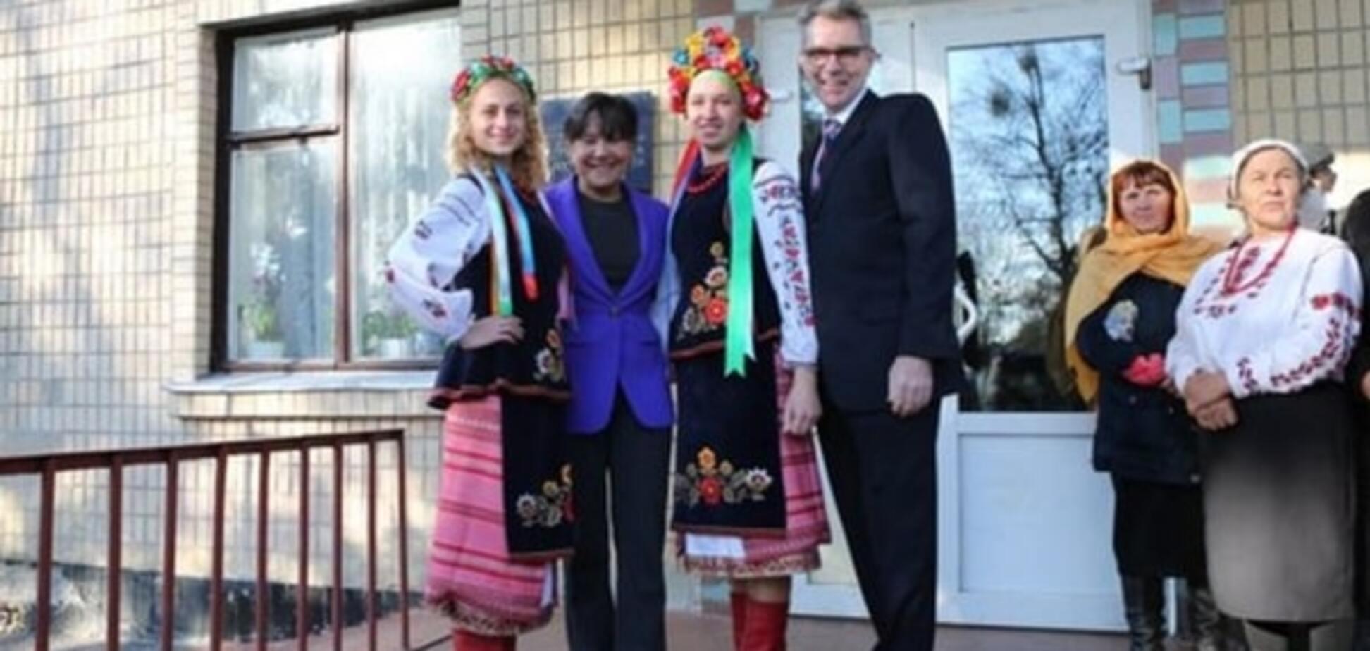 Возвращение на историческую родину: министр торговли США посетила родное село на Киевщине