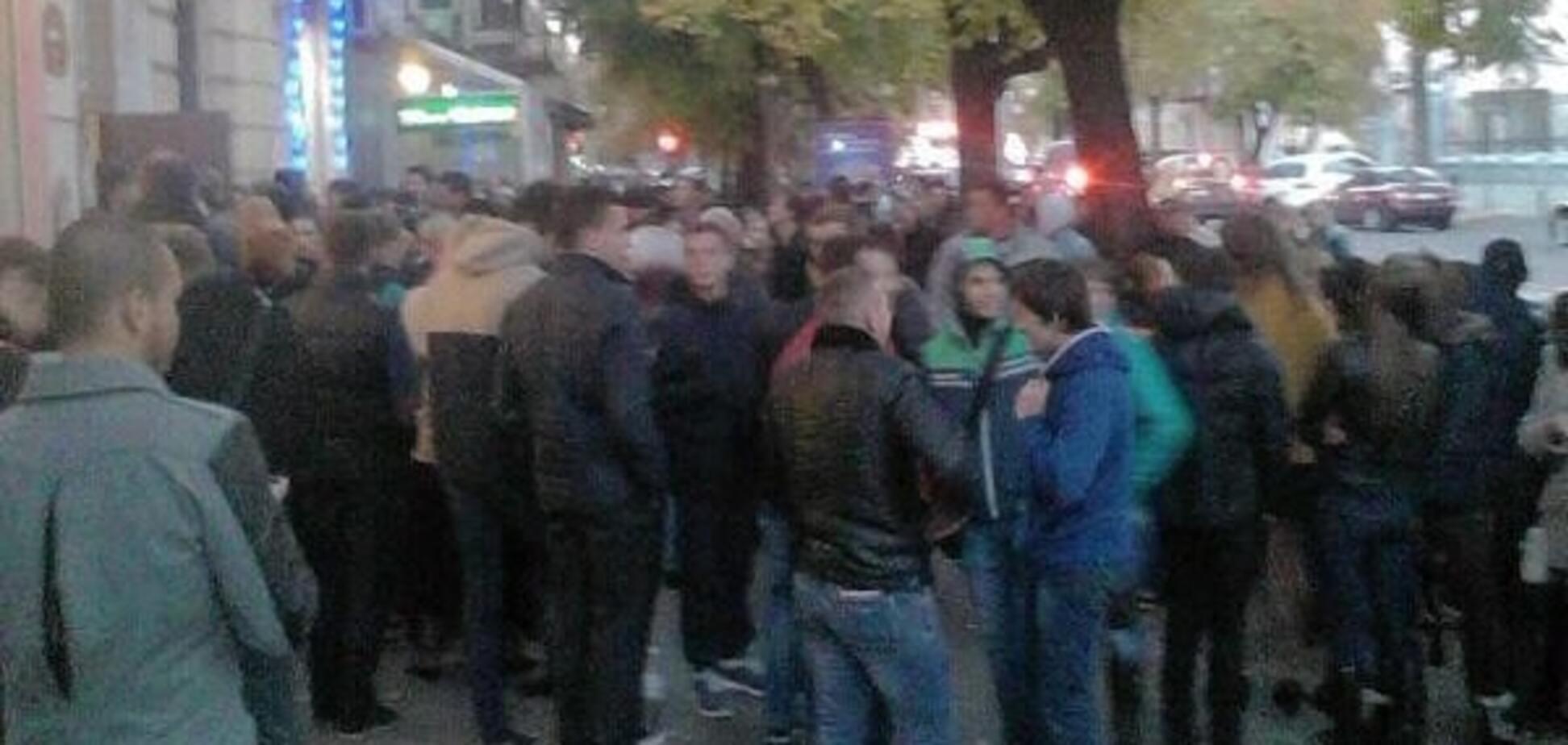 В Одесі агітатори заблокували офіс Гурвіца, вимагаючи розрахуватися за вибори