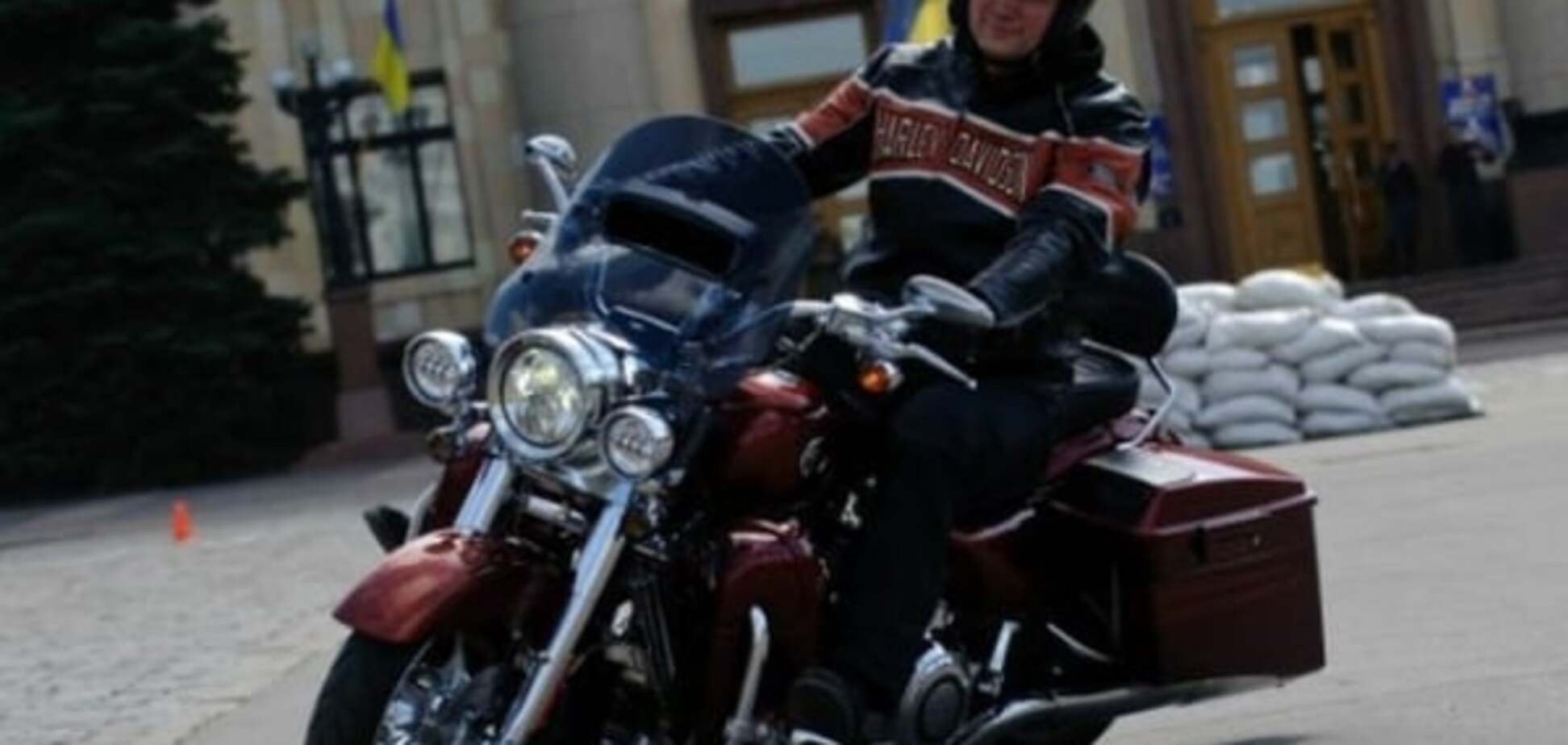 Дорогая улика: суд забрал у Швайки Harley-Davidson для следователей