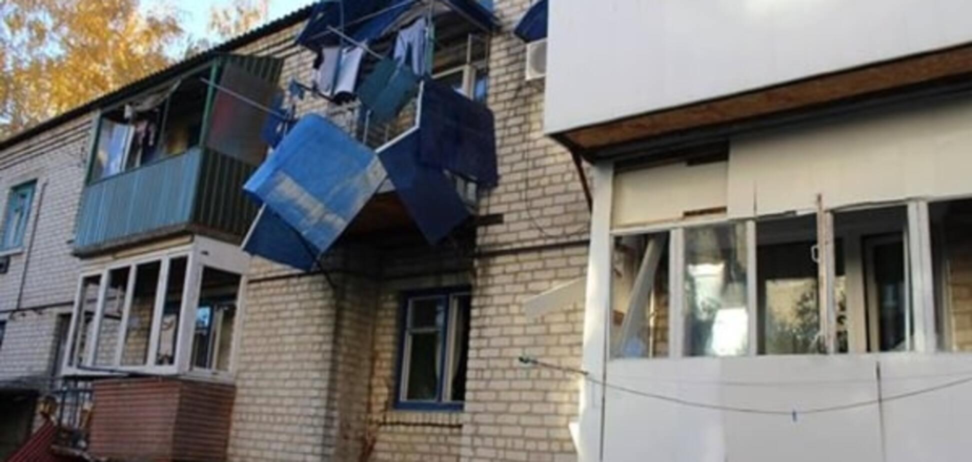 В Сватово взрывами повреждены школы, детсад, горсовет и сотни жилых домов