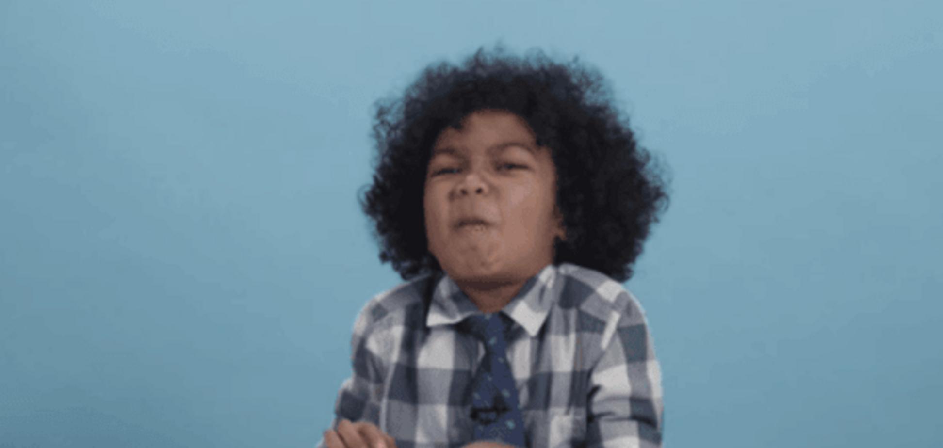 В сети показали забавную реакцию детей из США на украинские конфеты: видеофакт