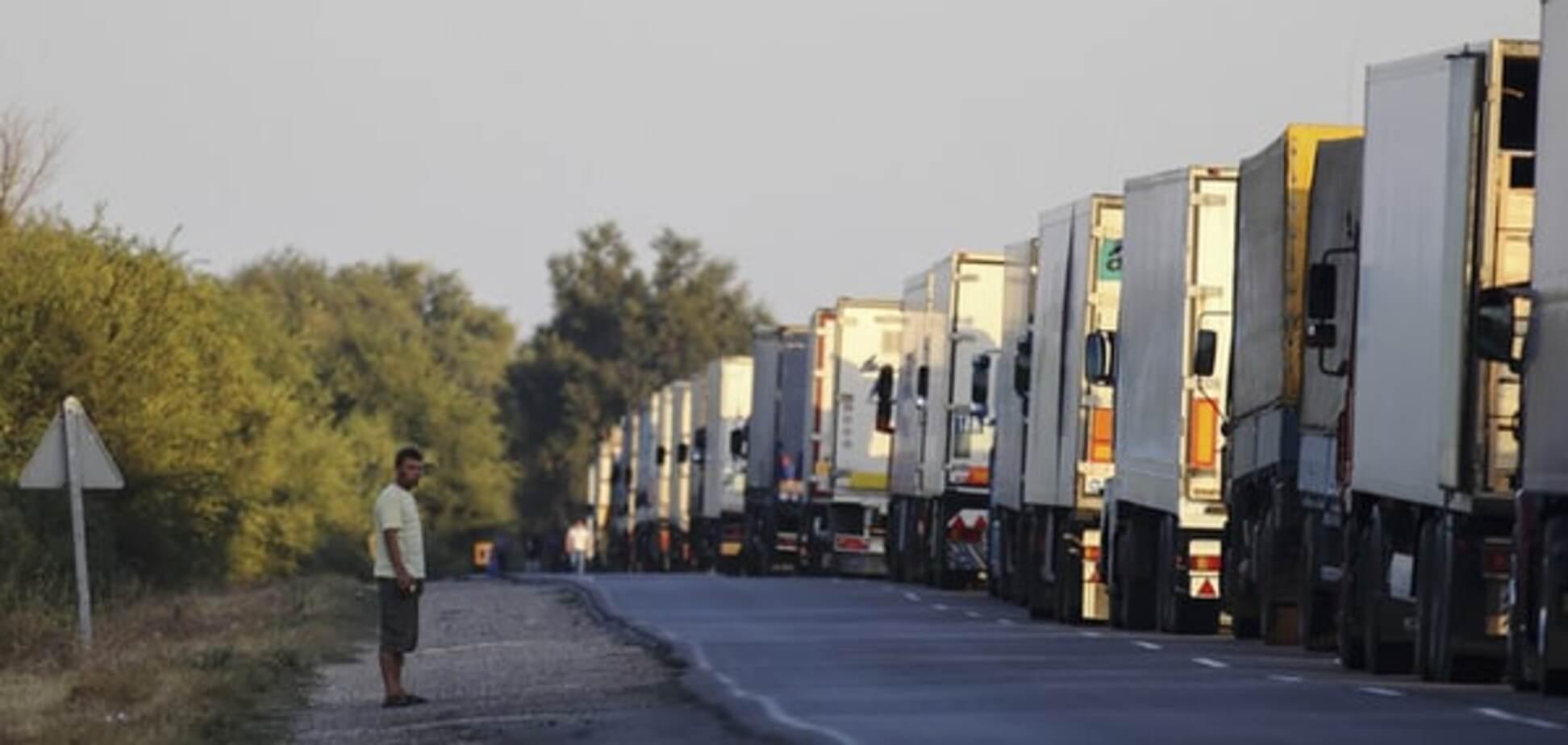 Джемілєв розповів, звідки в обхід блокади ввозять товари в Крим