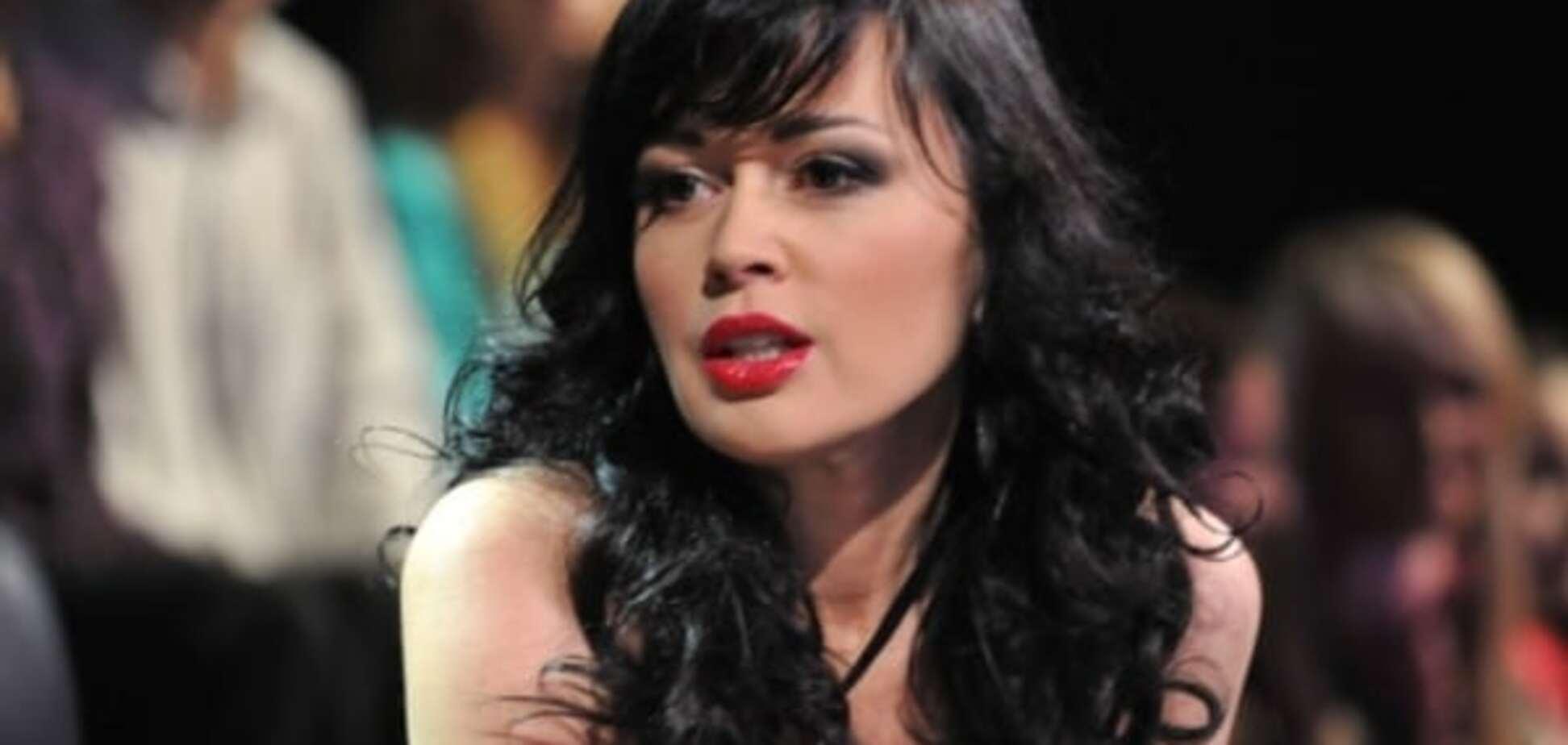 Известной актрисе Анастасии Заворотнюк запретили выезд из России