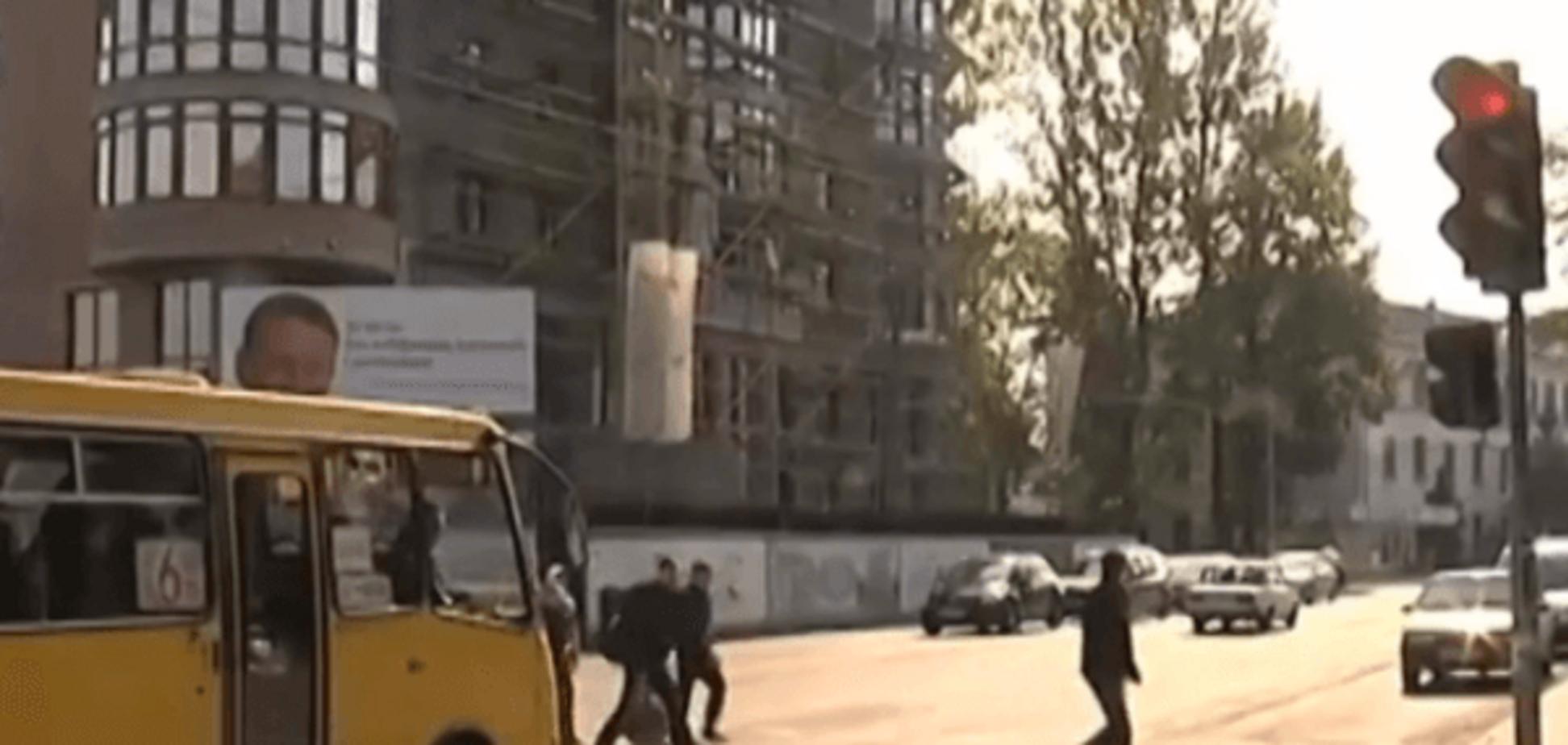 В Івано-Франківську депутат на Lexus збив трьох школярок: 'самі винні'