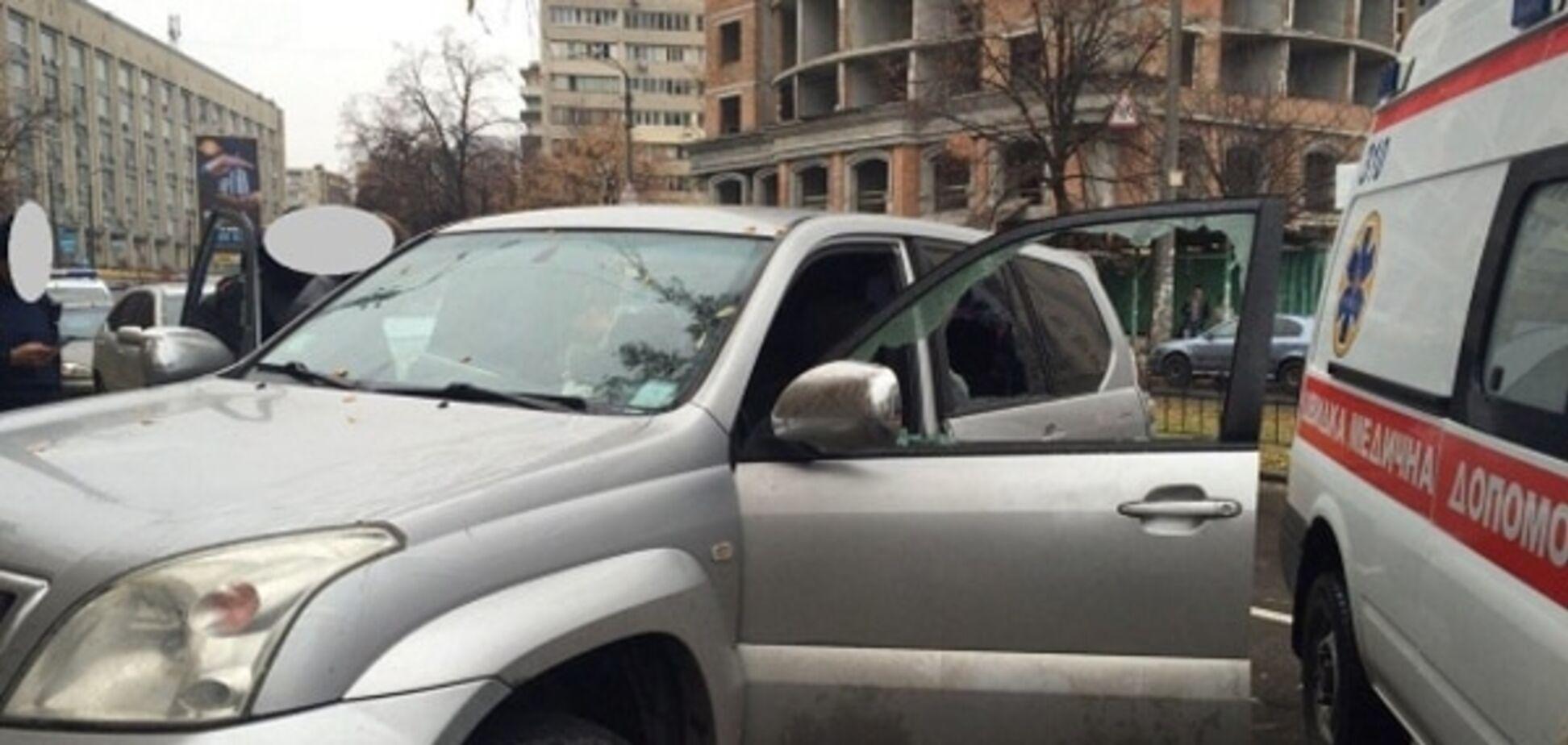 У Києві стався напад зі стріляниною: опубліковані фото