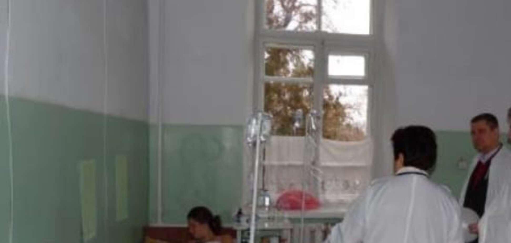 Підступні солодощі: на Одещині 27 осіб отруїлися еклерами