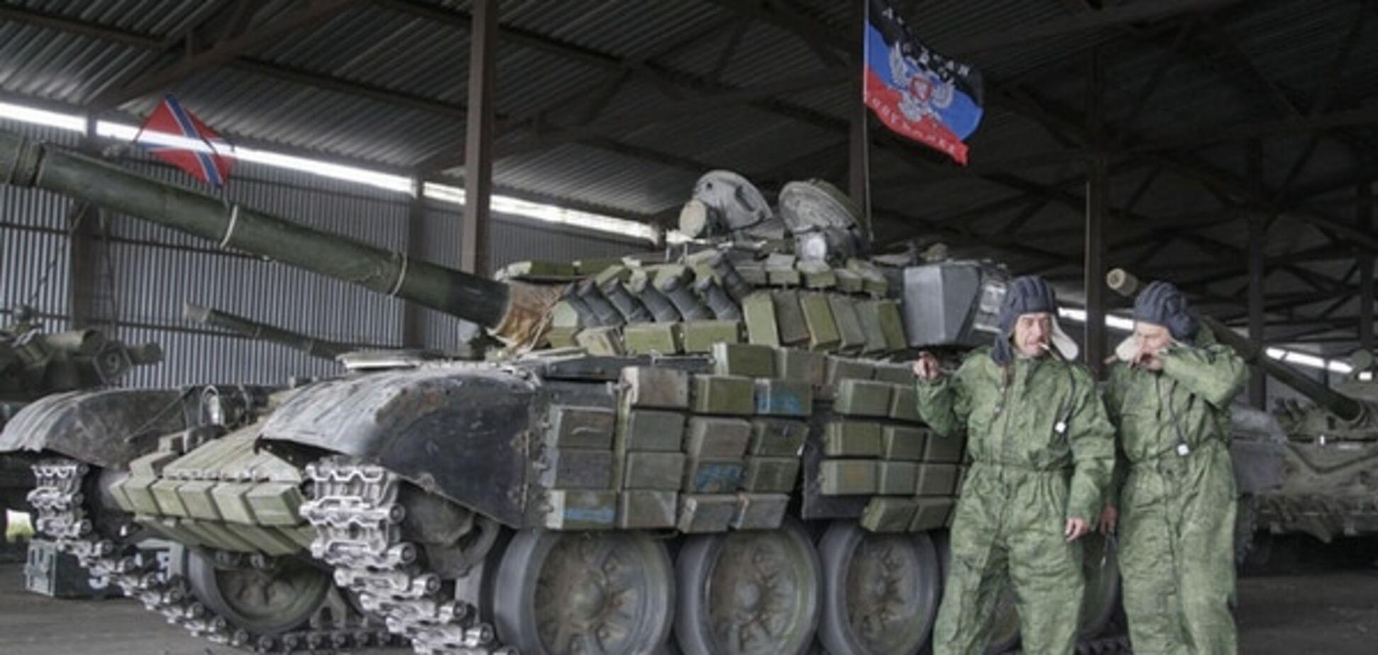 У Донецьку помітили терористів в українській формі і з військовою технікою