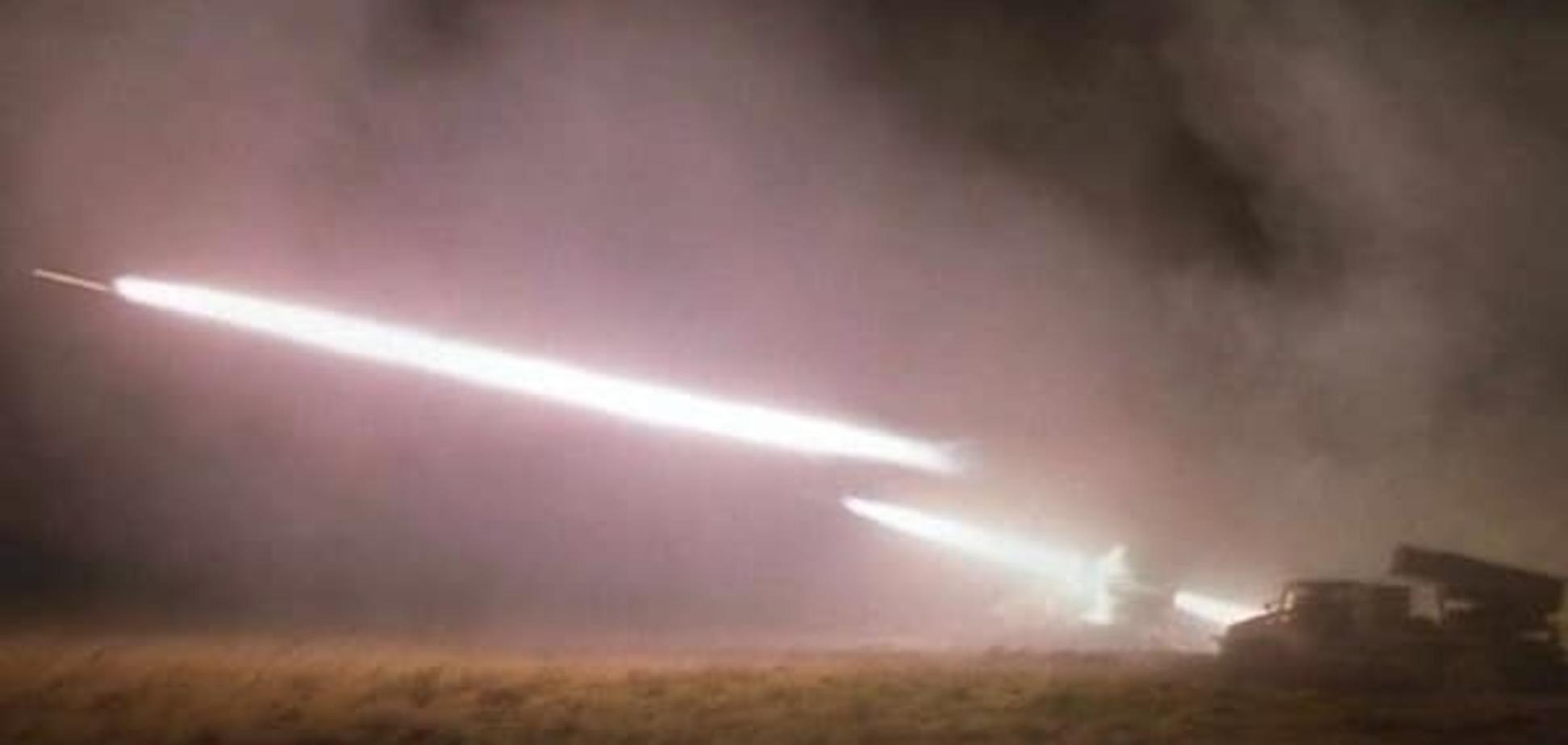 Окупанти біля Макіївки розвернули для стрільби 'Гради' і САУ