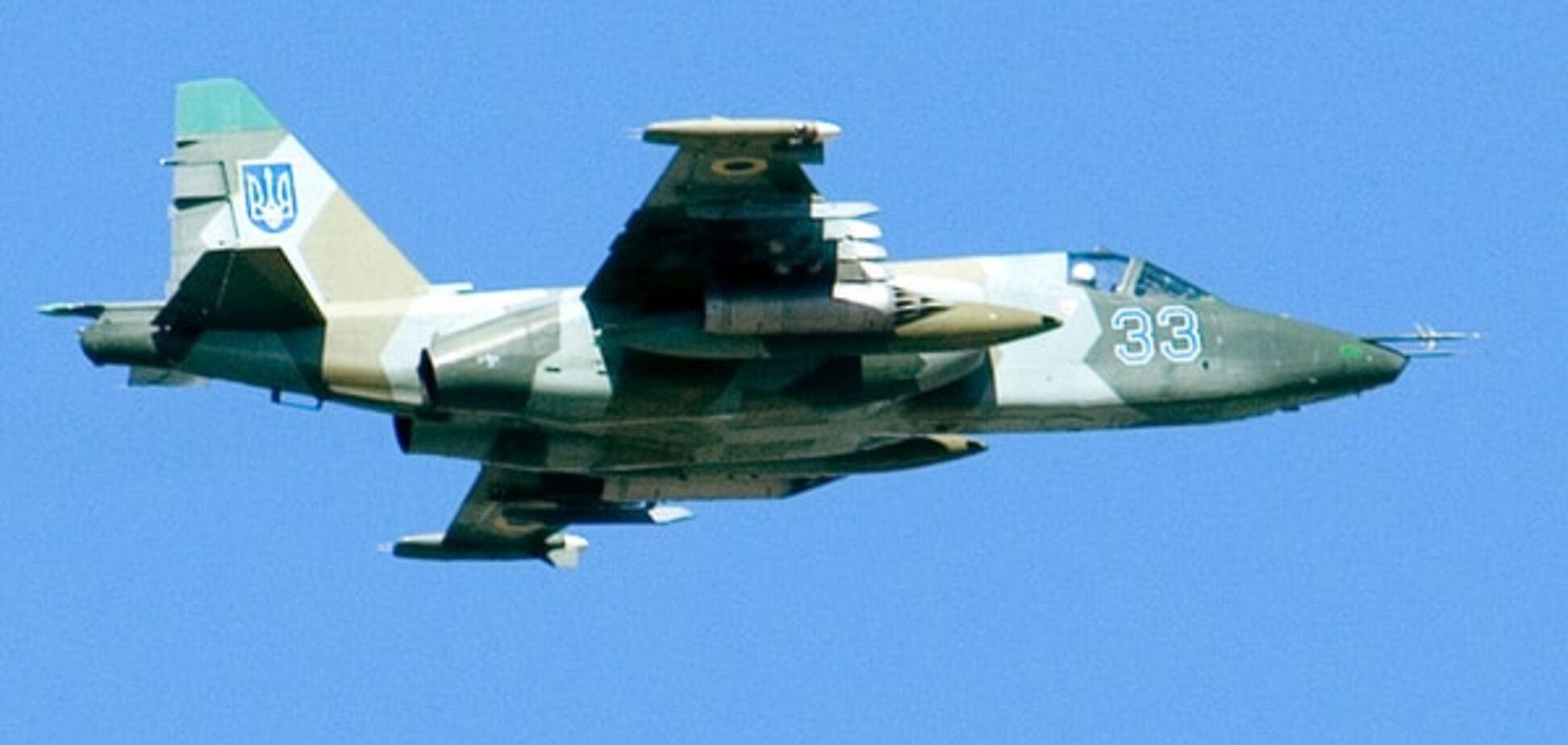 Под Запорожьем разбился боевой самолет Су-25