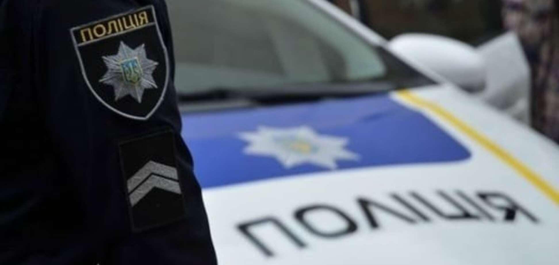 У Києві грабіжник напав на пенсіонерку та зірвав із неї сережки