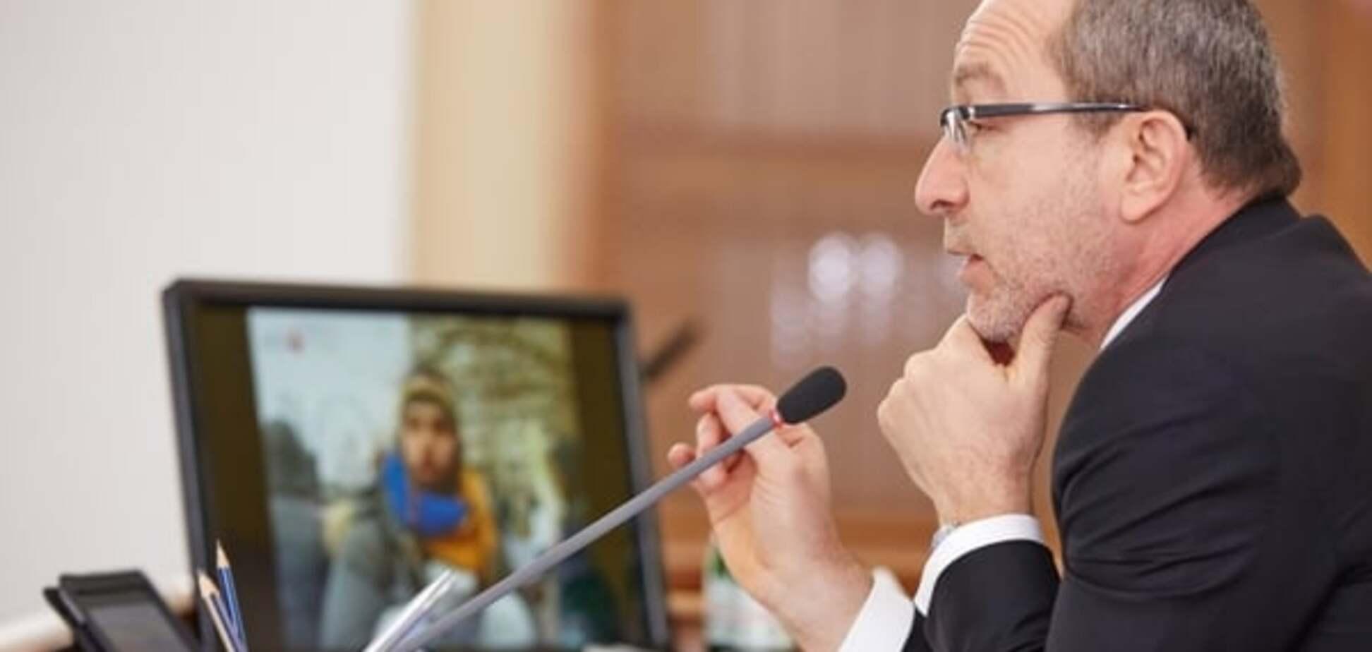 В Харьковском горсовете 12 депутатов Кернеса внезапно отказались от мандатов