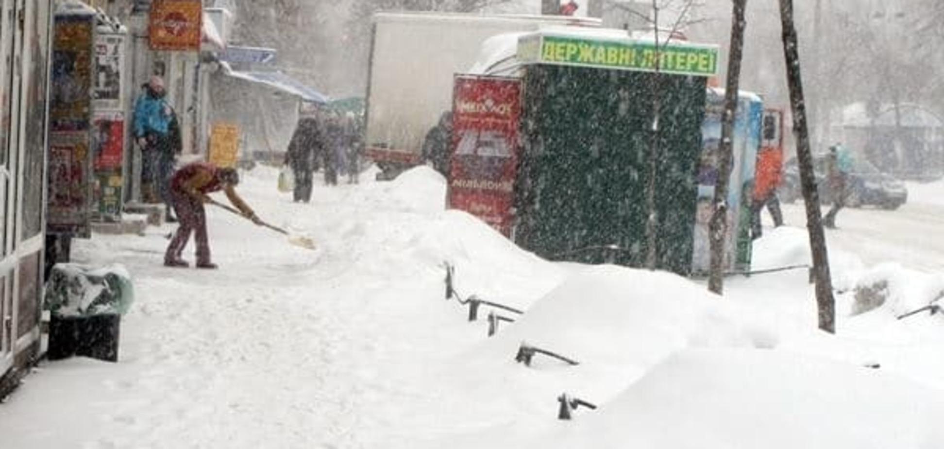 Киевским водителям в помощь: о снегопаде предупредят по СМС