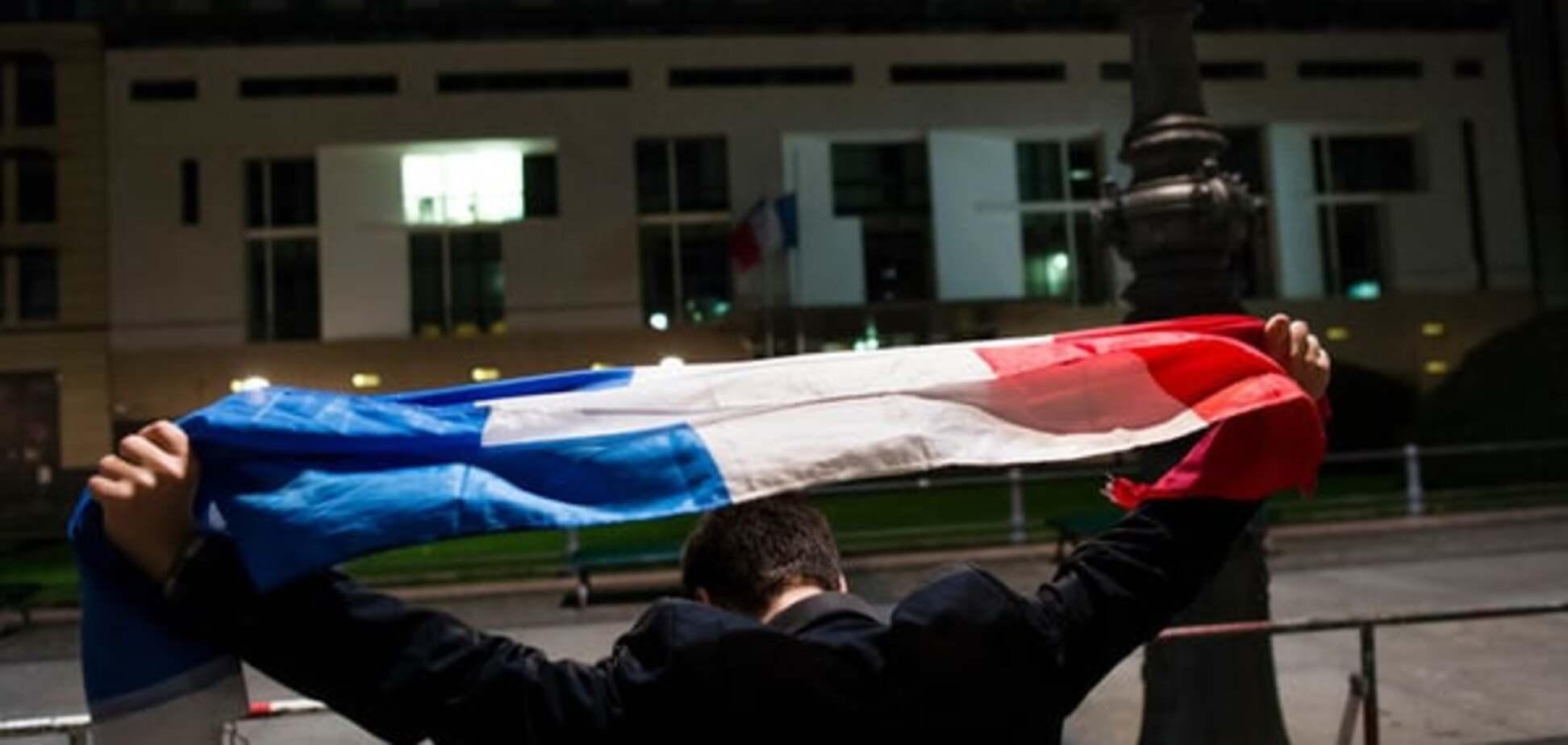 Теракти в Парижі: стрільба по натовпу і армія в місті -всі подробиці