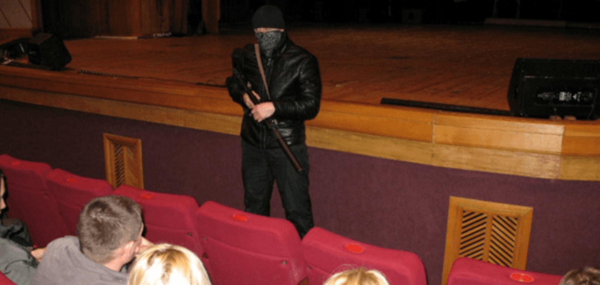 Головне - вижити: розроблено ТОП-5 головних правил поведінки для заручників терориста