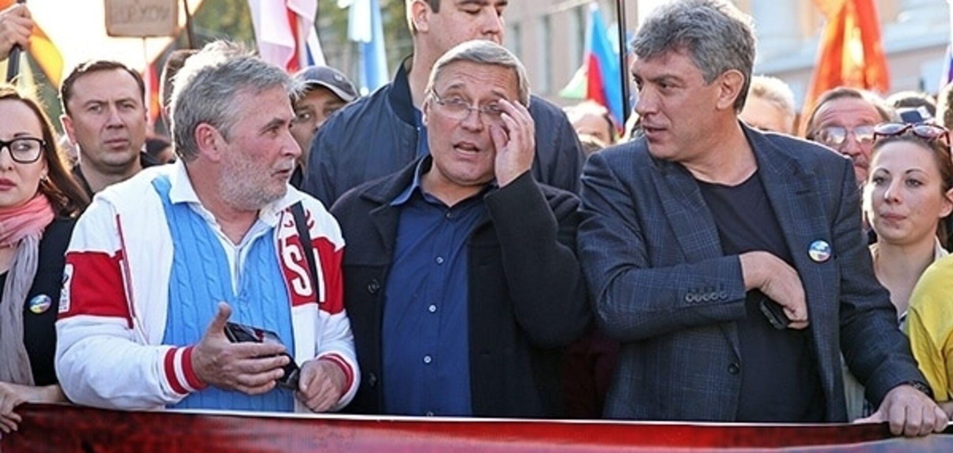 Никто не хочет получить пулю, как Немцов: российский поэт собрался в Украину