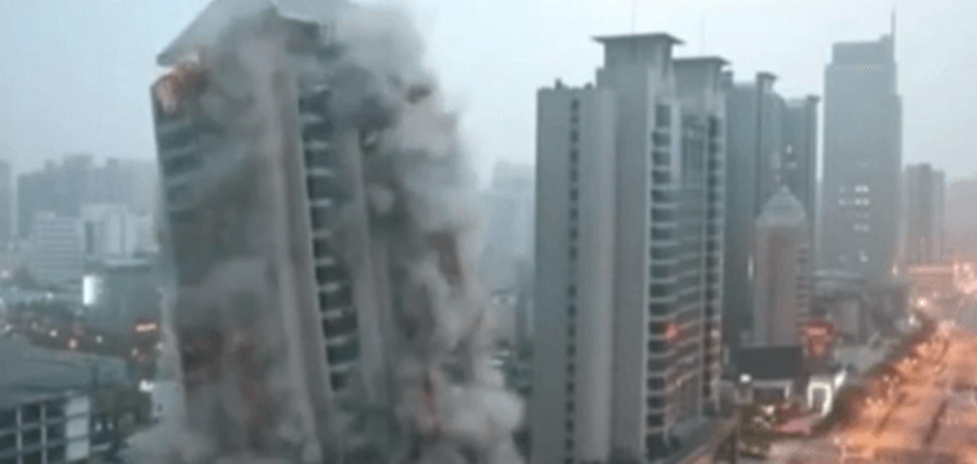 Китайці показали, як правильно зносити хмарочоси