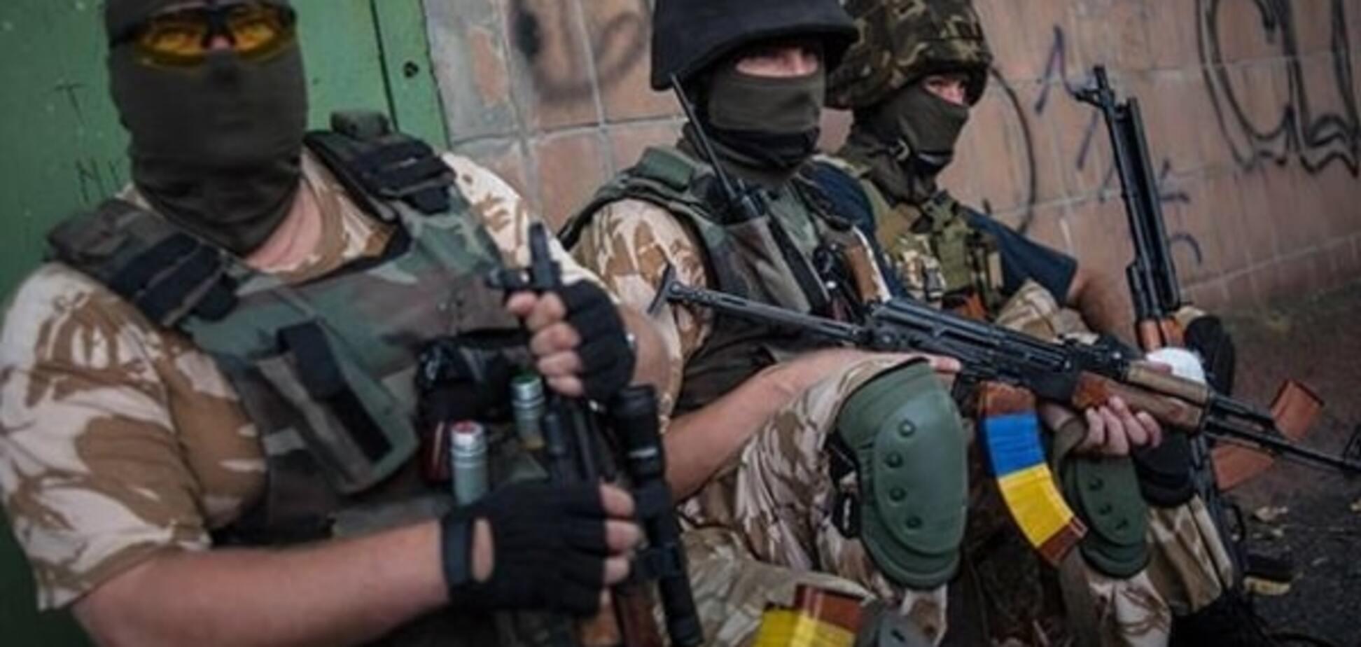 Терористи атакували сили АТО в п'яти населених пунктах