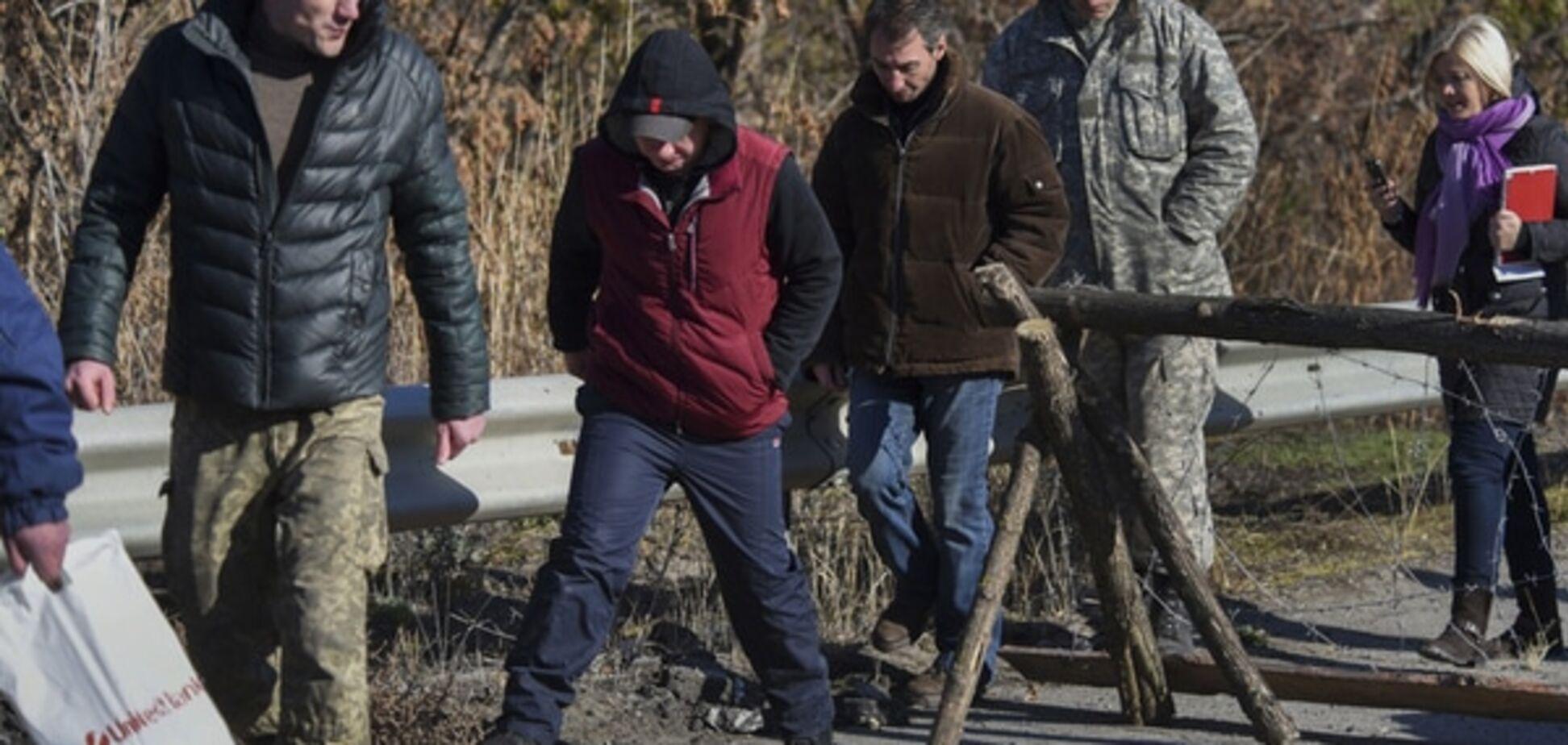 Число полонених зростає: терористи стали брати в заручники цивільних - СБУ