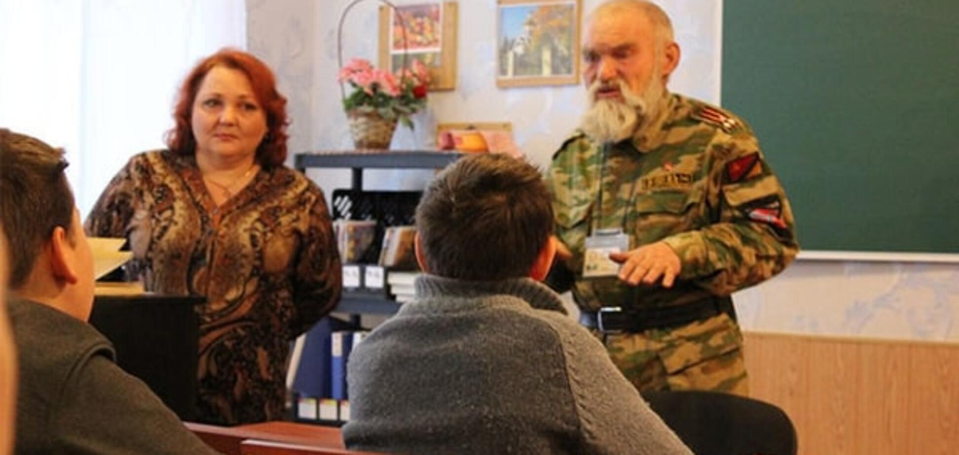 Будні 'ЛНР': Снєгирьов розповів, хто і як вчить школярів на окупованих територіях