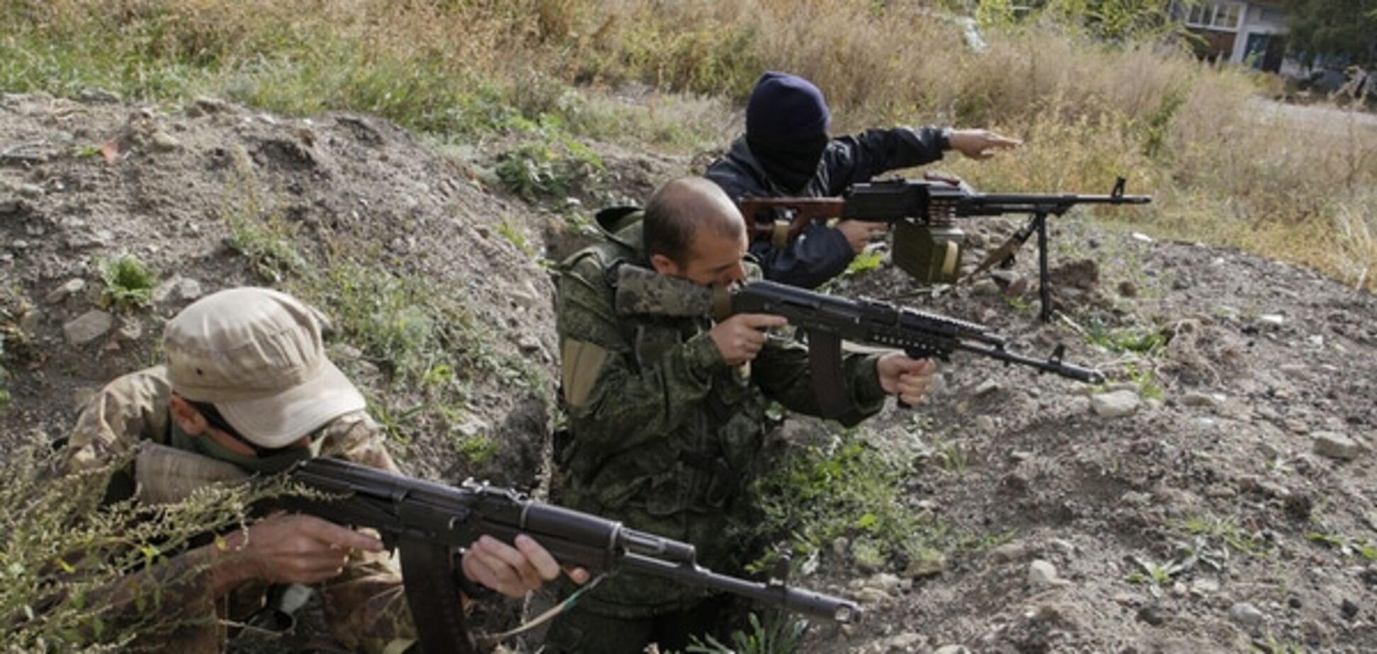 Терористи з мінометів обстріляли пункт пропуску на Донбасі