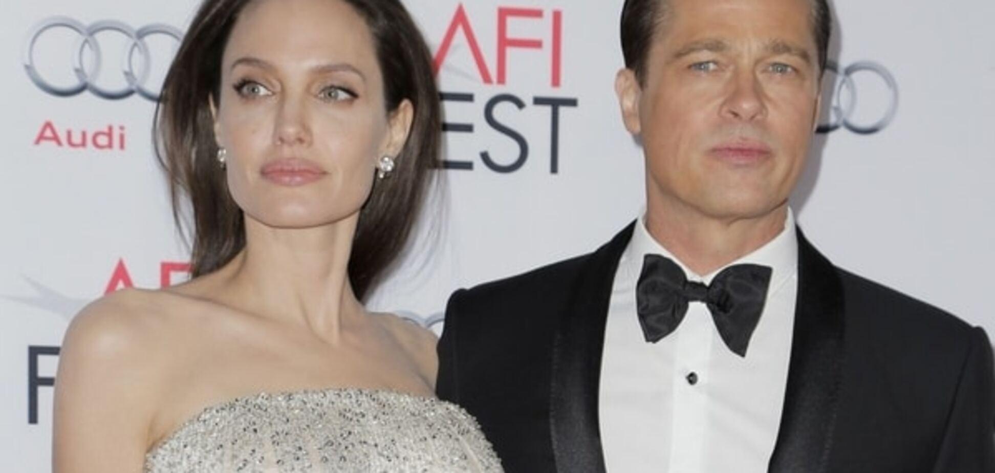 Хирурги отказались делать Джоли пластику груди: раскрыта причина