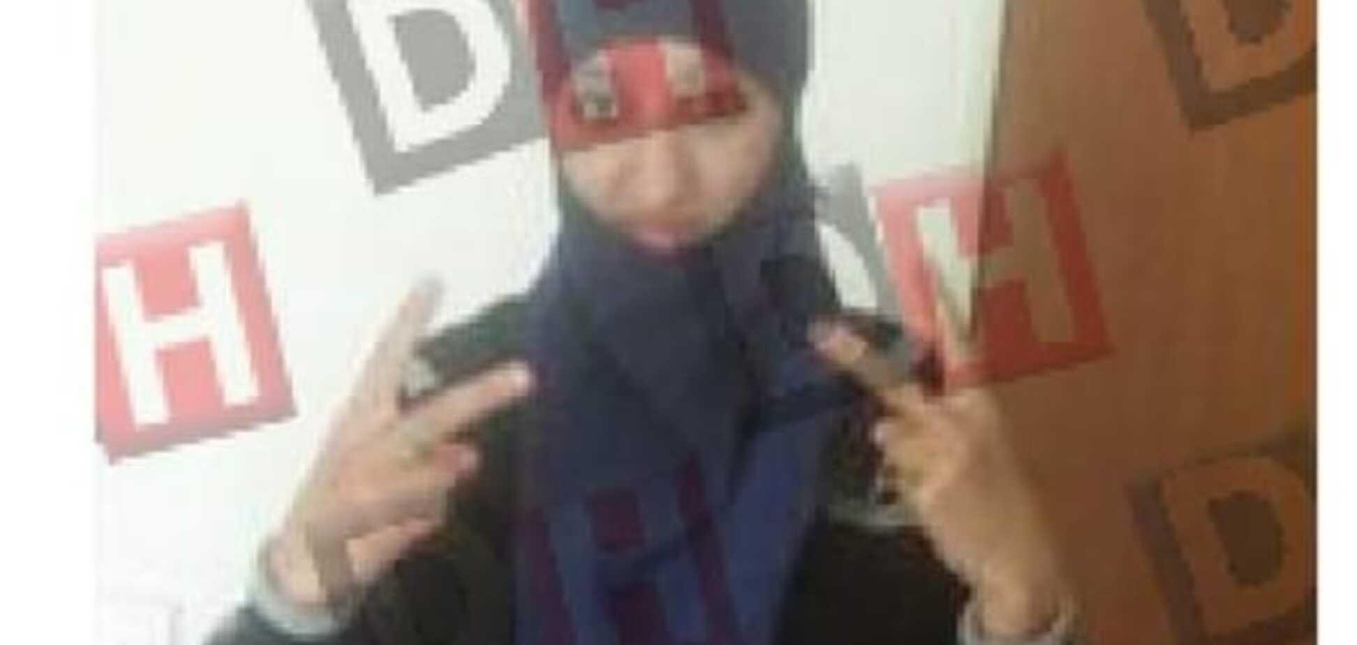 Одержима джихадом: оприлюднено фото першою в історії Франції смертниці
