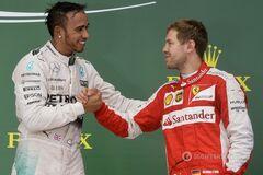 Трехкратный чемпион мира загнобил пилотов Ferrari и Red Bull