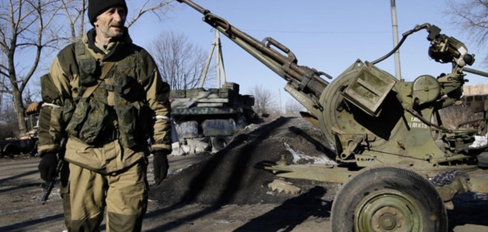 Терористи в Донецьку побили хлопця за порушення комендантської години