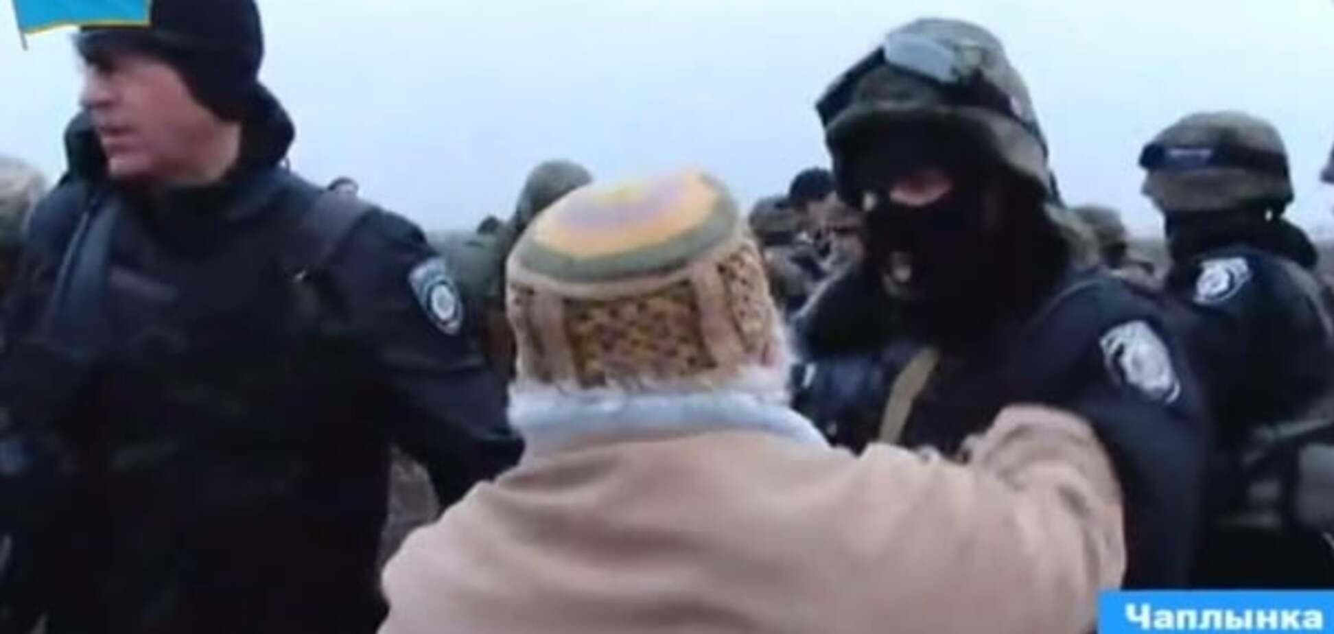 Опубліковано відео штурму силовиками учасників блокади Криму