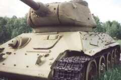 Карети, танки і баггі з кулеметами: що продають українці в інтернеті