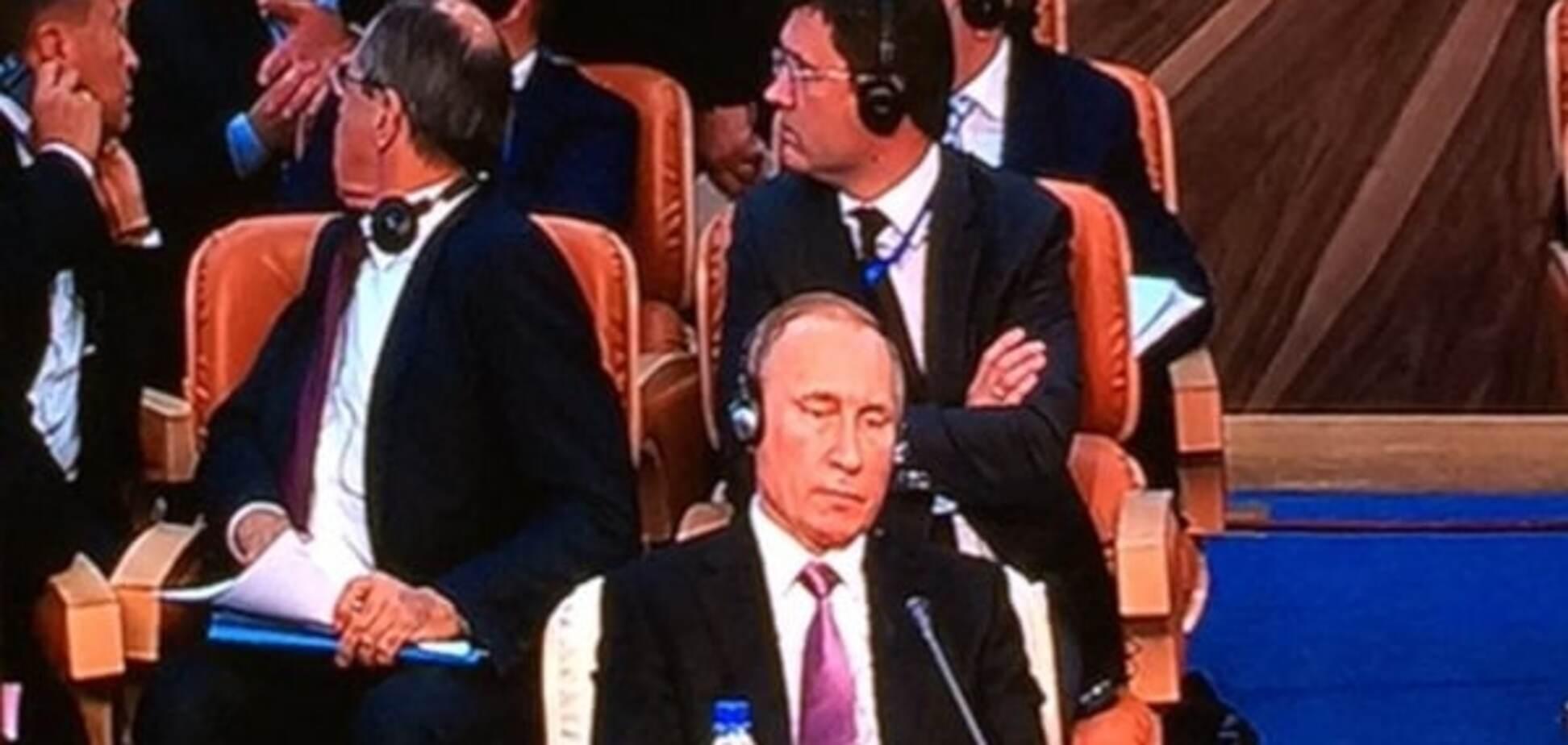 Просто нікому не цікаво: в Ірані зірвали виступ Путіна. Фотофакт