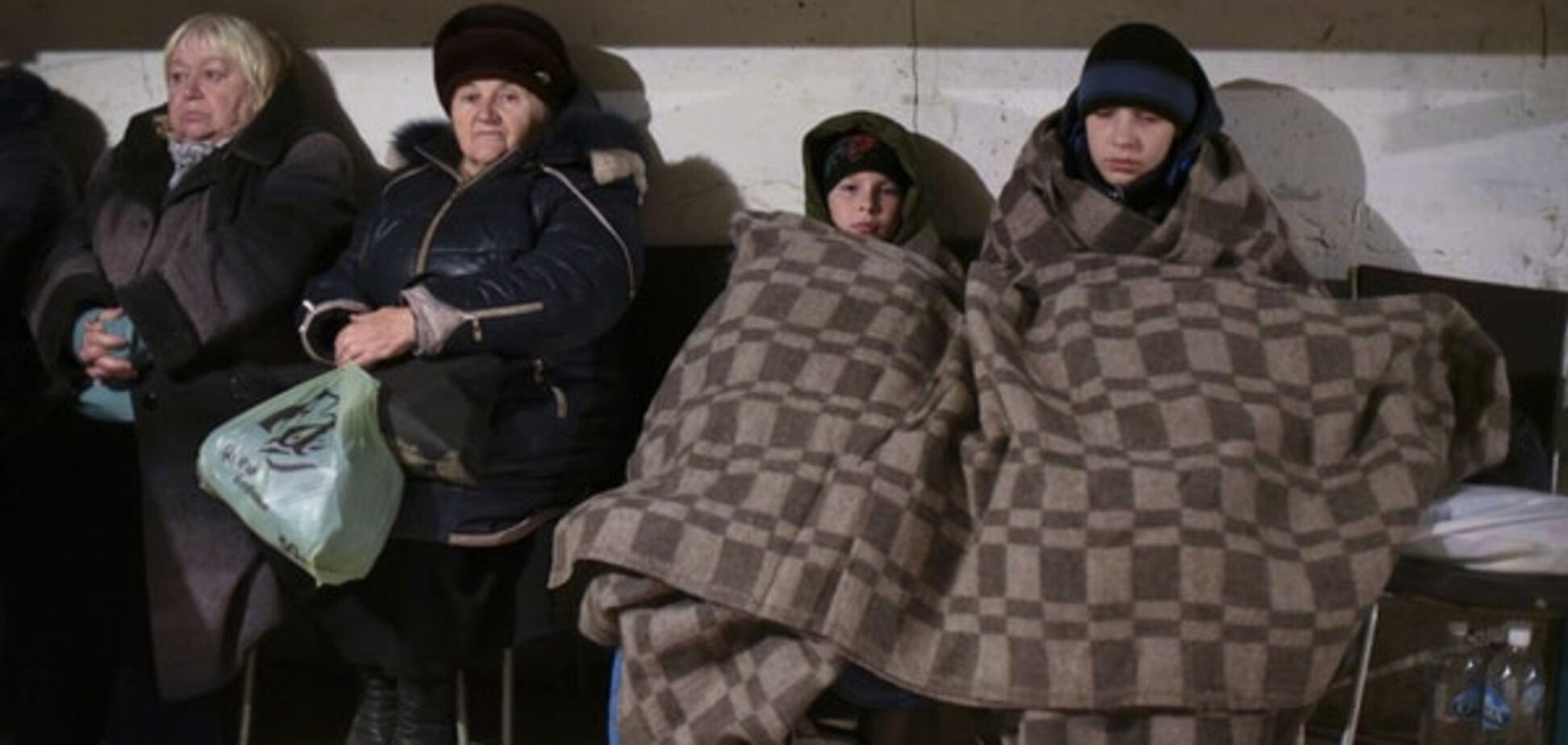 Холодні ігри: на Луганщині влаштовують молебні, щоб з'явилося опалення