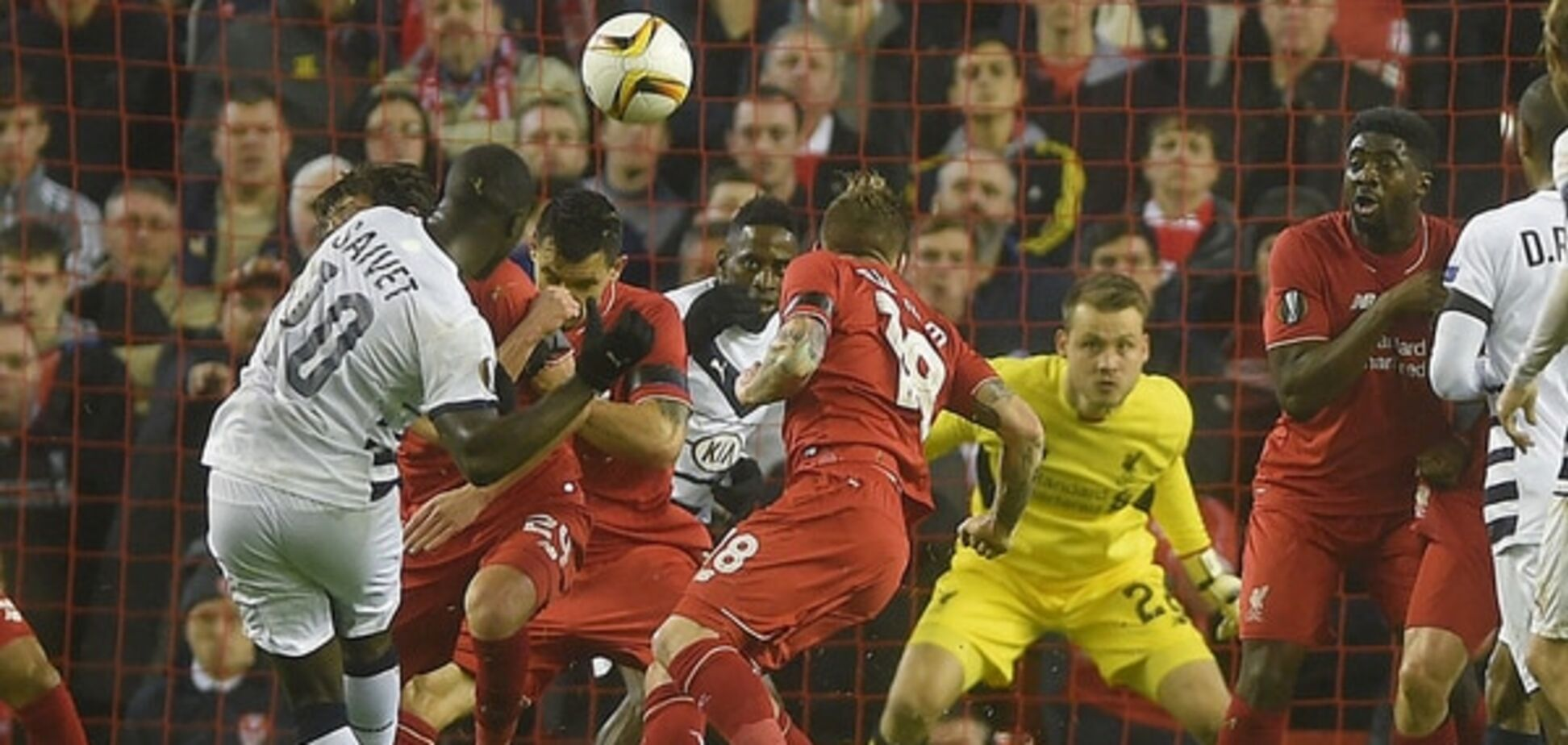 Правило шести секунд. Вратарю 'Ливерпуля' забили гол после курьезного нарушения