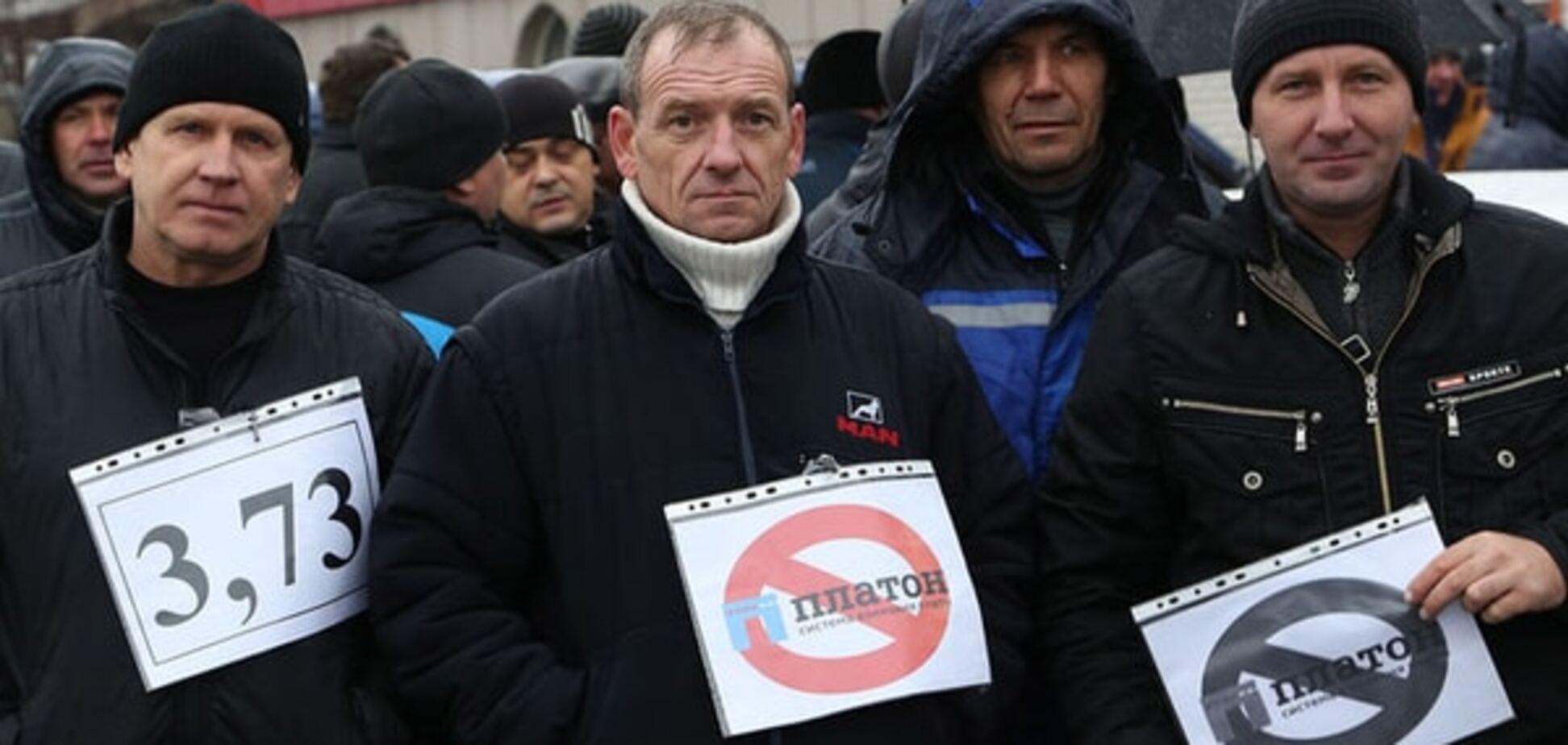 Протесты в России: дальнобойщики из Петербурга заявили о походе на Москву