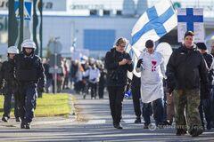 В Финляндии массово протестуют против приема мигрантов
