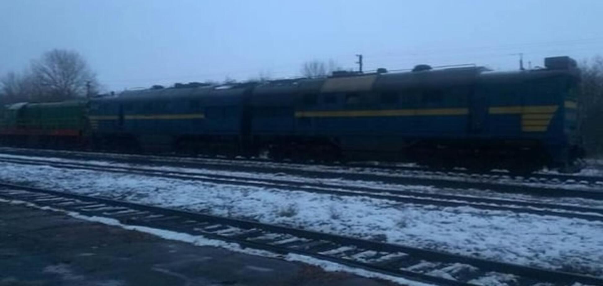 Чиновники целыми локомотивами возили террористам топливо