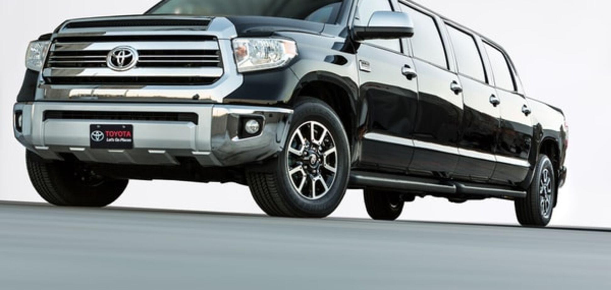 Toyota показала безумный восьмидверный пикап-лимузин: фото новинки