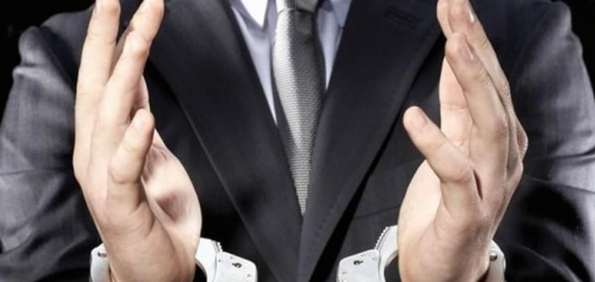 'Сага про мертві душі': чиновників Соцстраху спіймали на афері в 25 млн