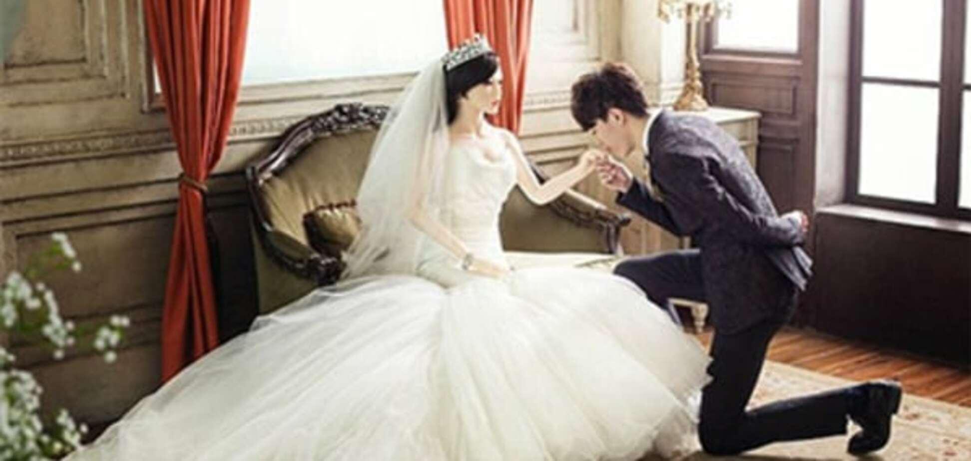 Смертельно больной китаец женился на резиновой женщине