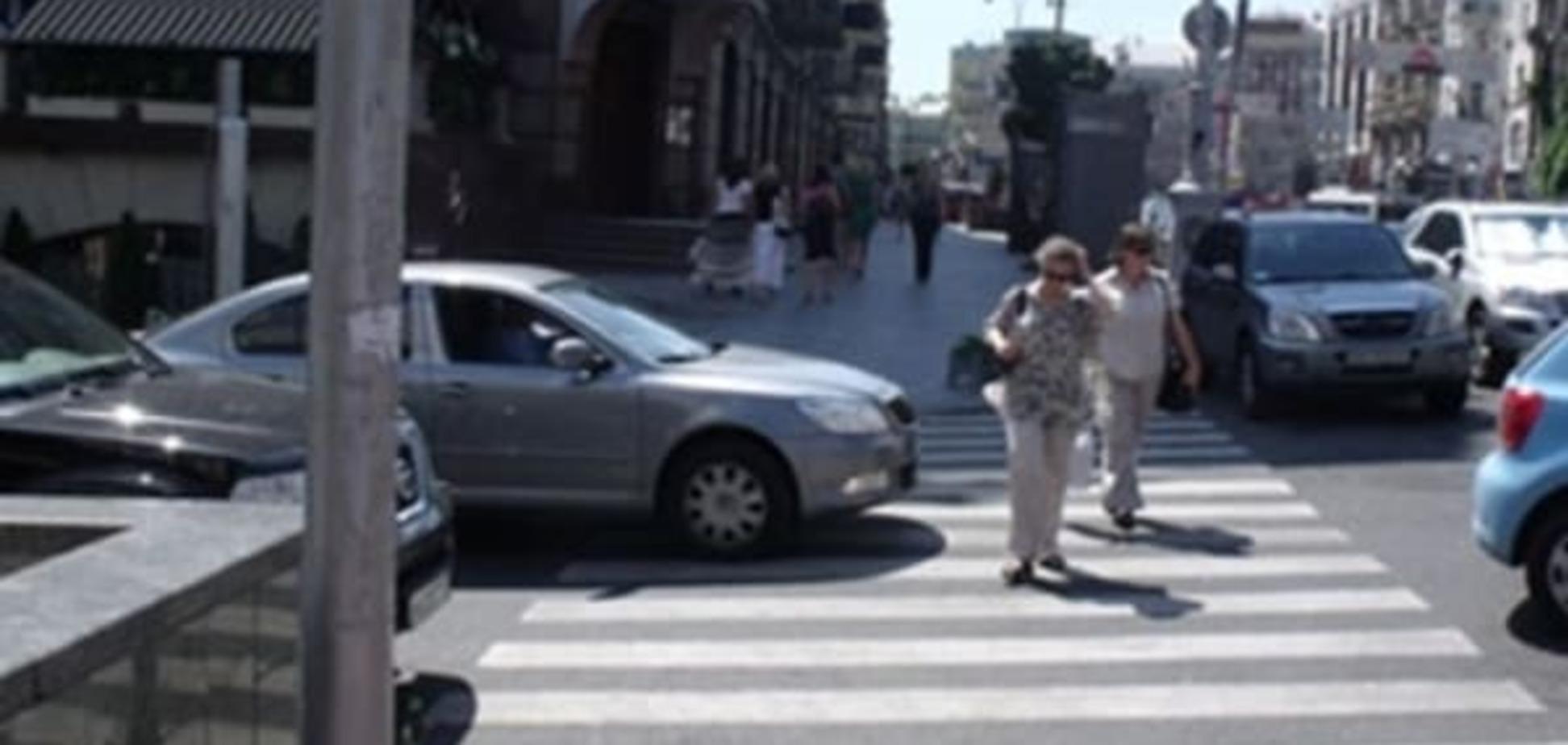 В Киеве участились случаи наезда автомобилистов на женщин-пешеходов