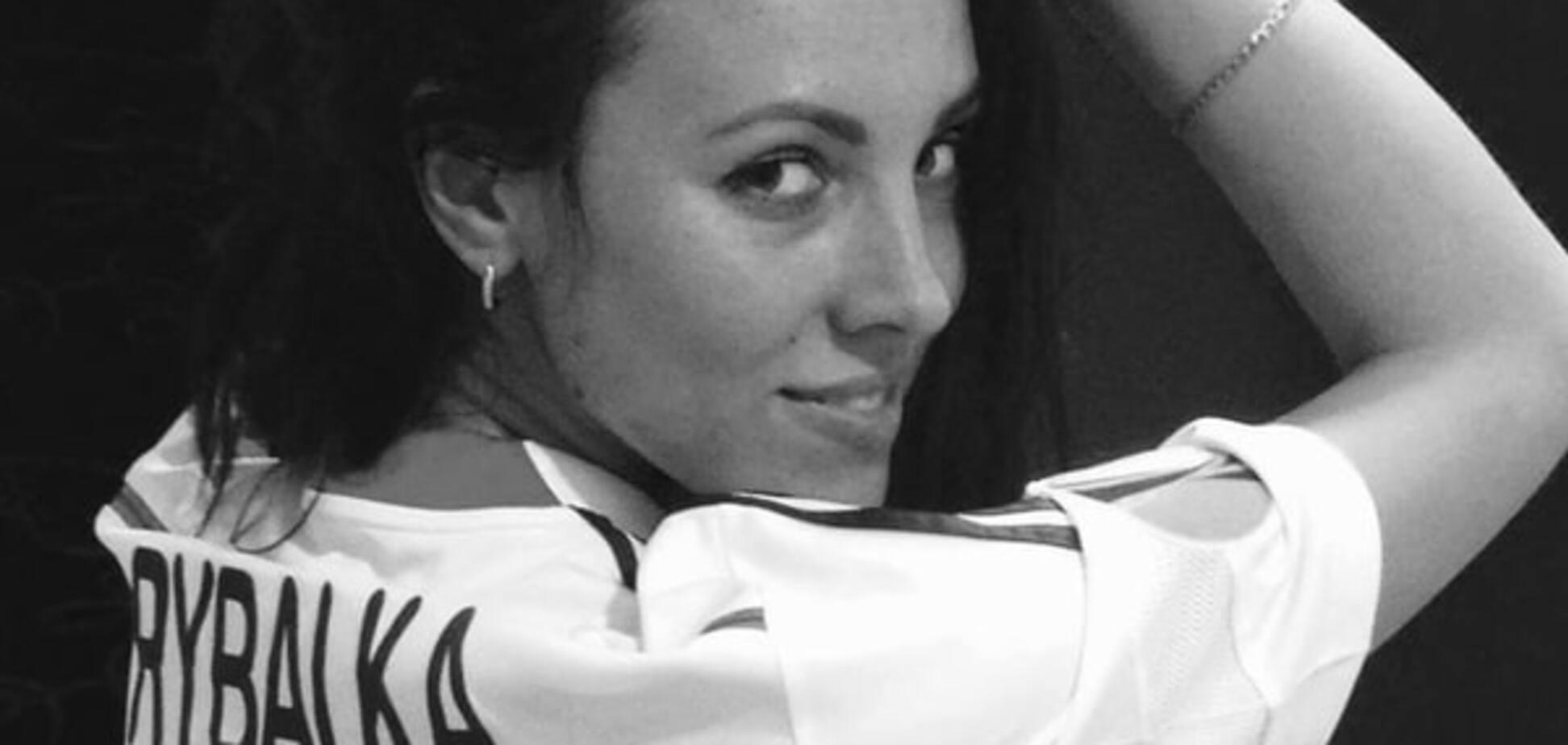 Конкуренція у красунь зростає: сестра відомого футболіста стала копом у Харкові. Фотофакт