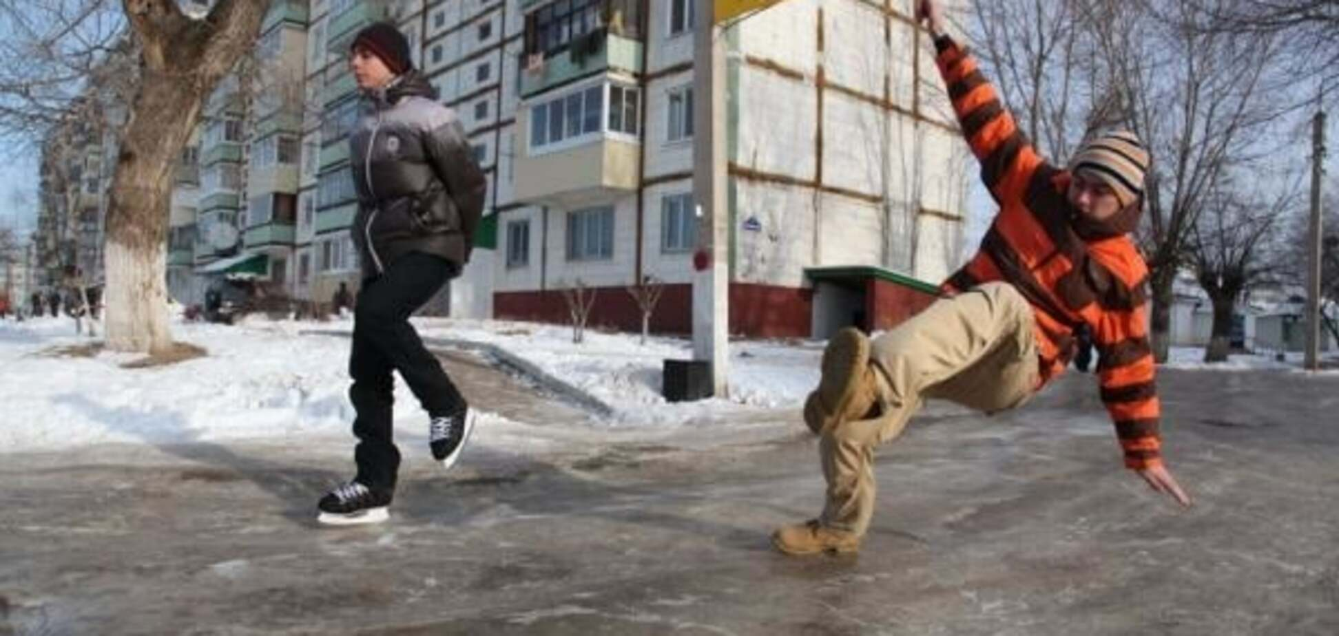 Справжній Омськ: у Росії мер запропонував городянам звернутися до Бога, щоб уникнути ожеледиці