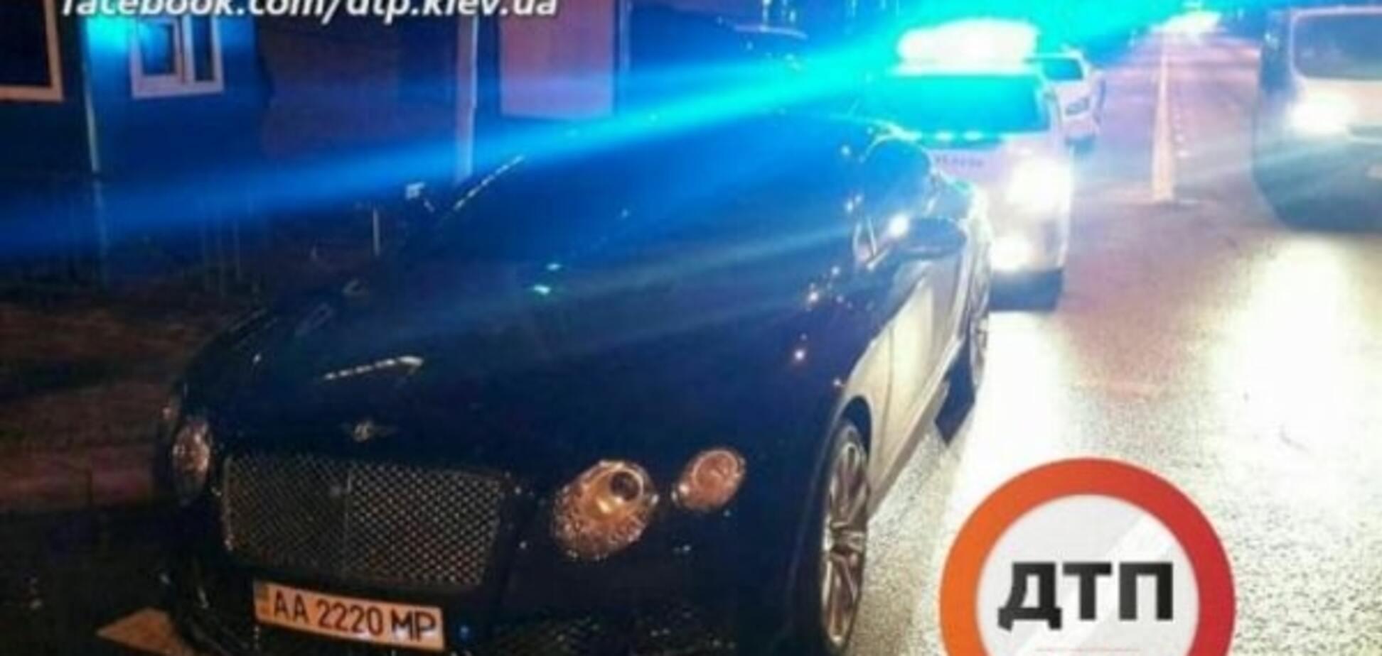 У Києві поліція евакуювала 'Бентлі' автохама
