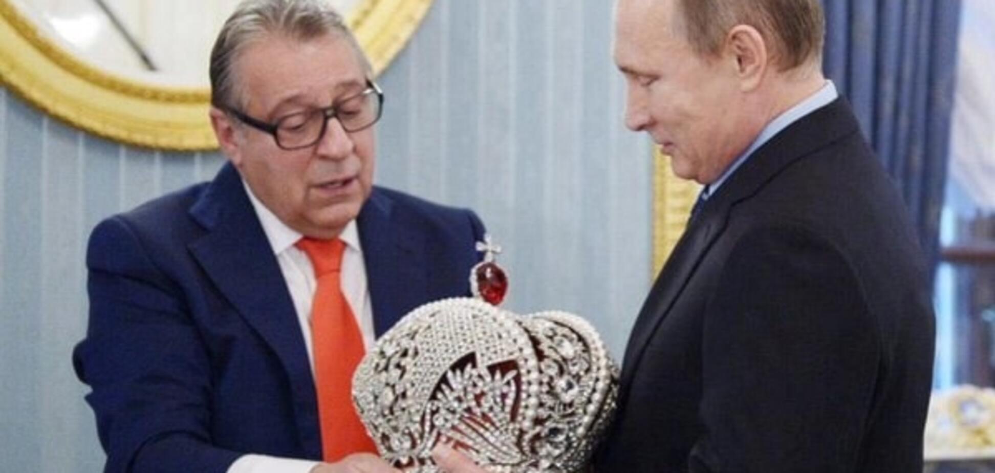 Дві реальності: в соцмережах порівняли світи Путіна і Порошенко