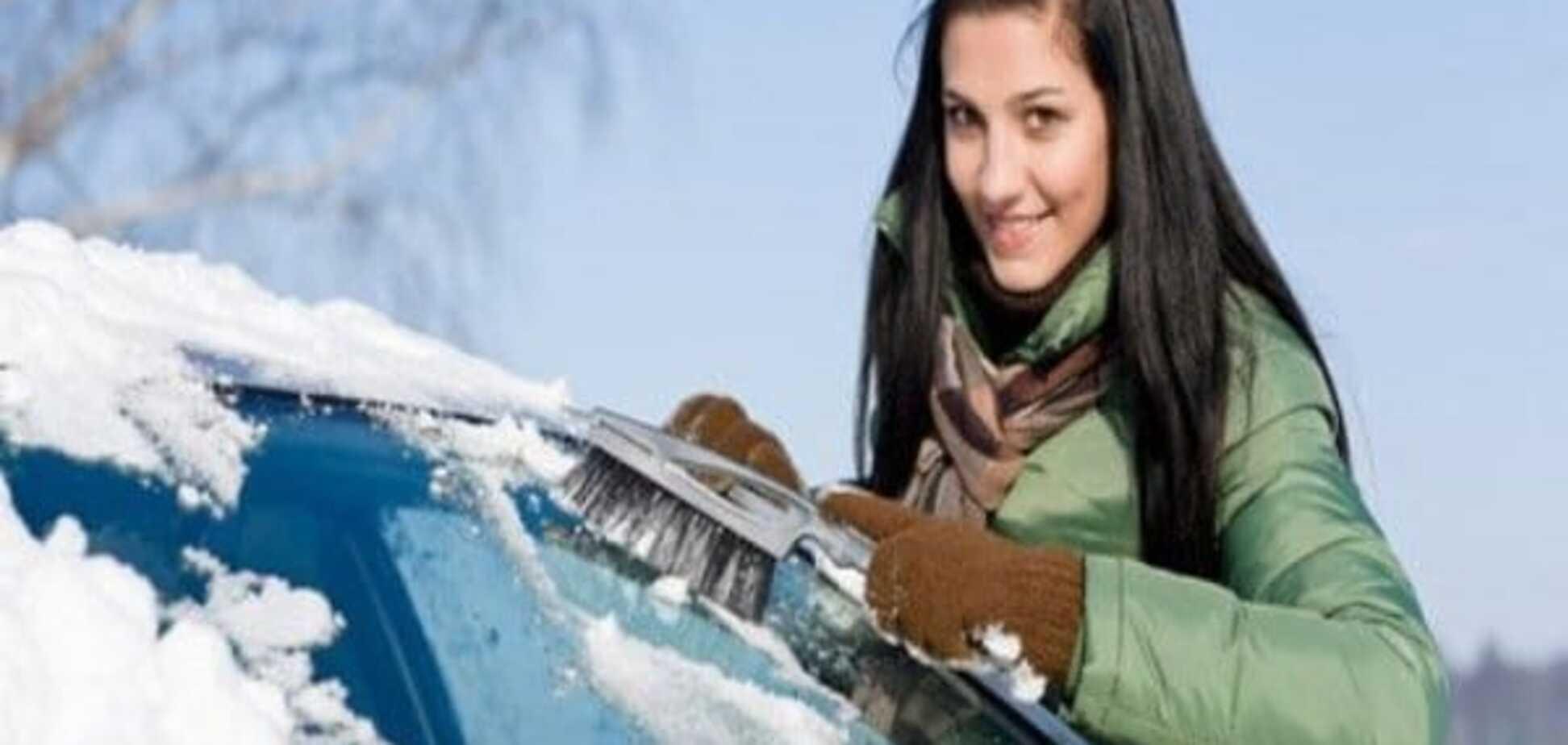 Поради водіям: топ-5 речей, без яких не обійтися в автомобілі взимку