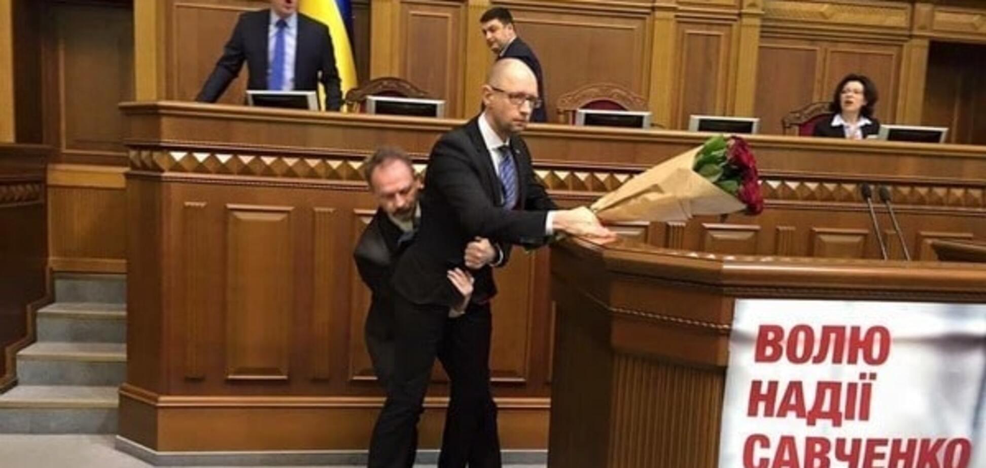 Потасовка Барны и Яценюка: Кабмин выступил с заявлением